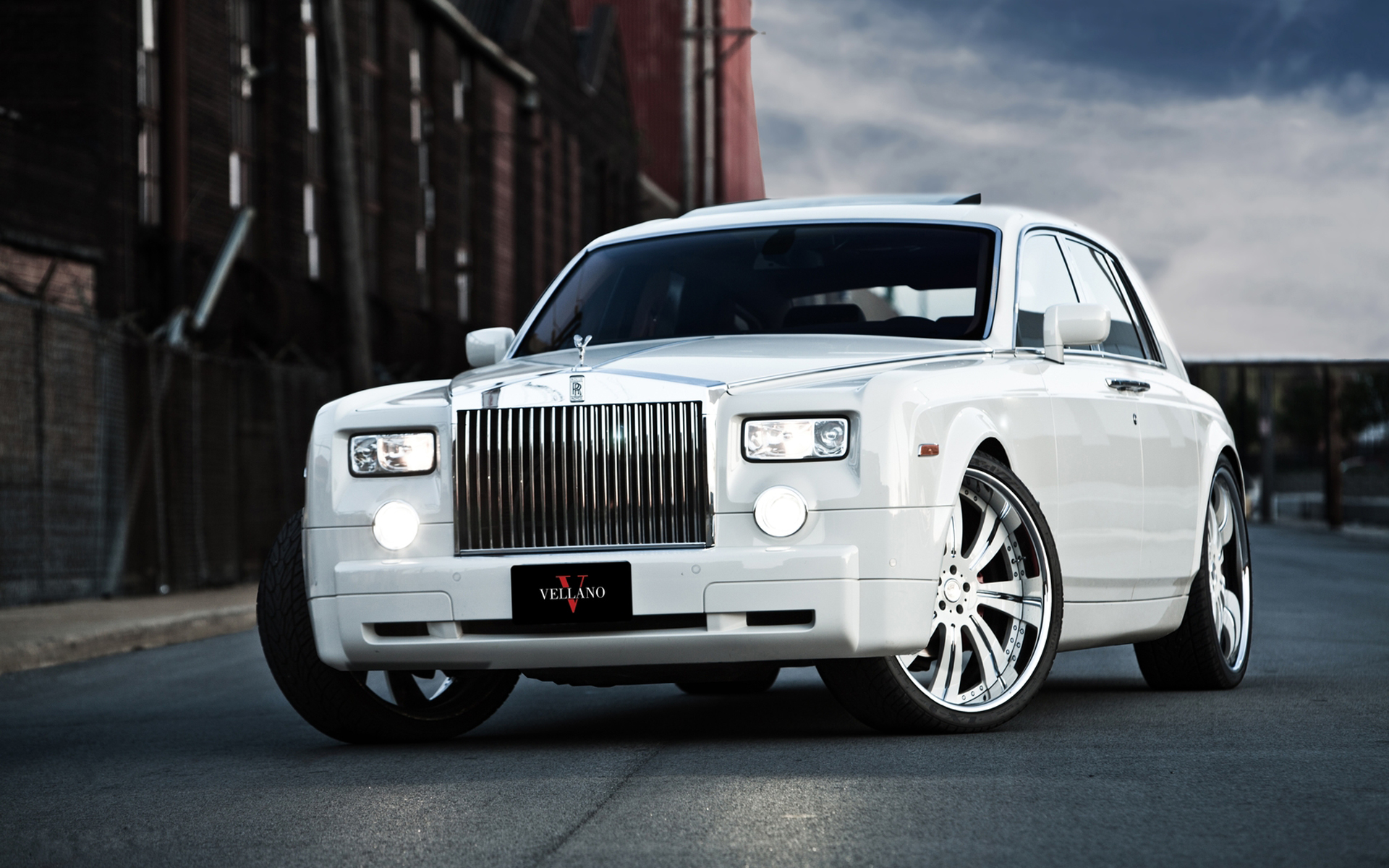 White Bentley Car HD Wallpaper