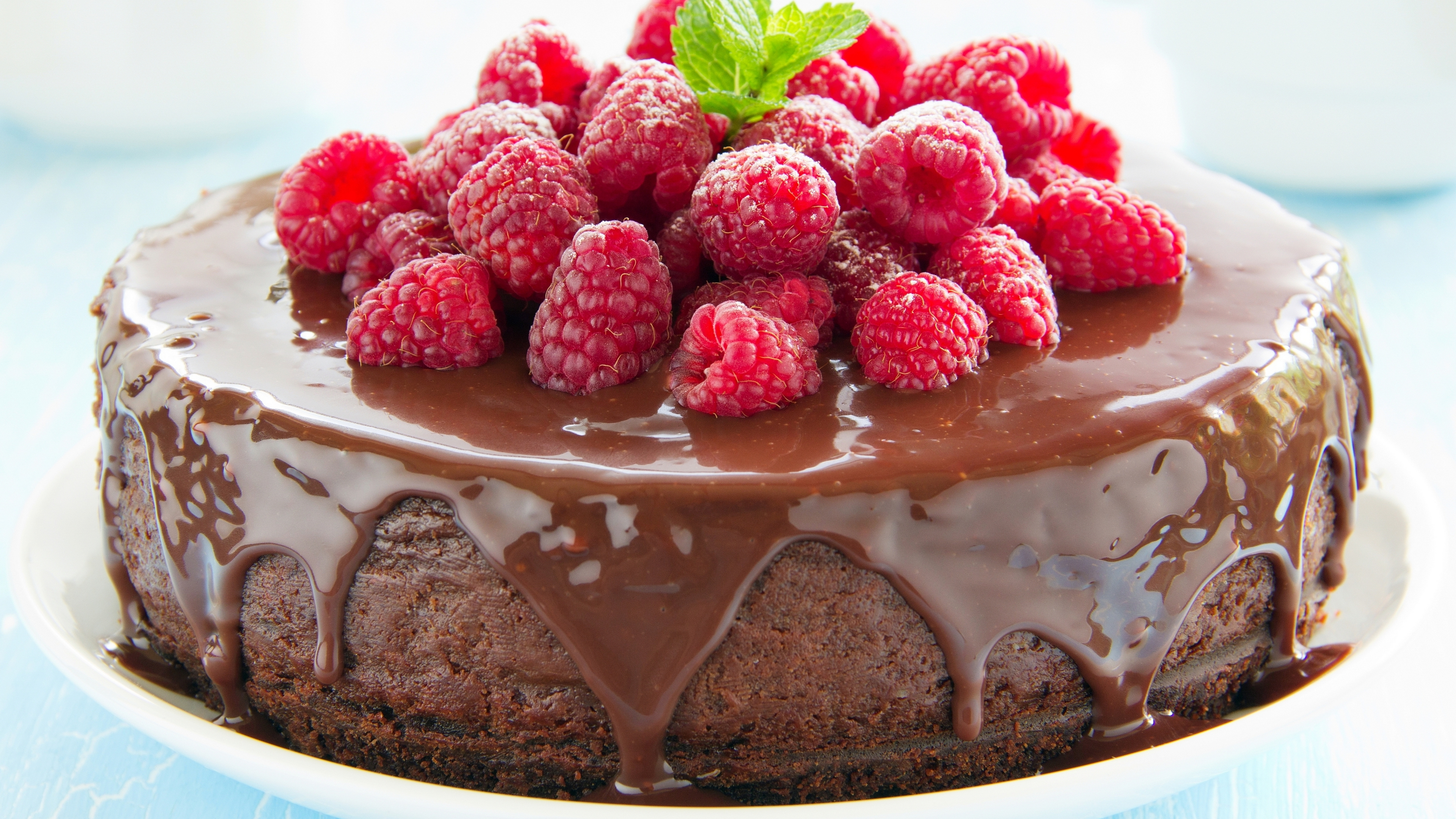 Strawberry Chocolate Cake wallpaper