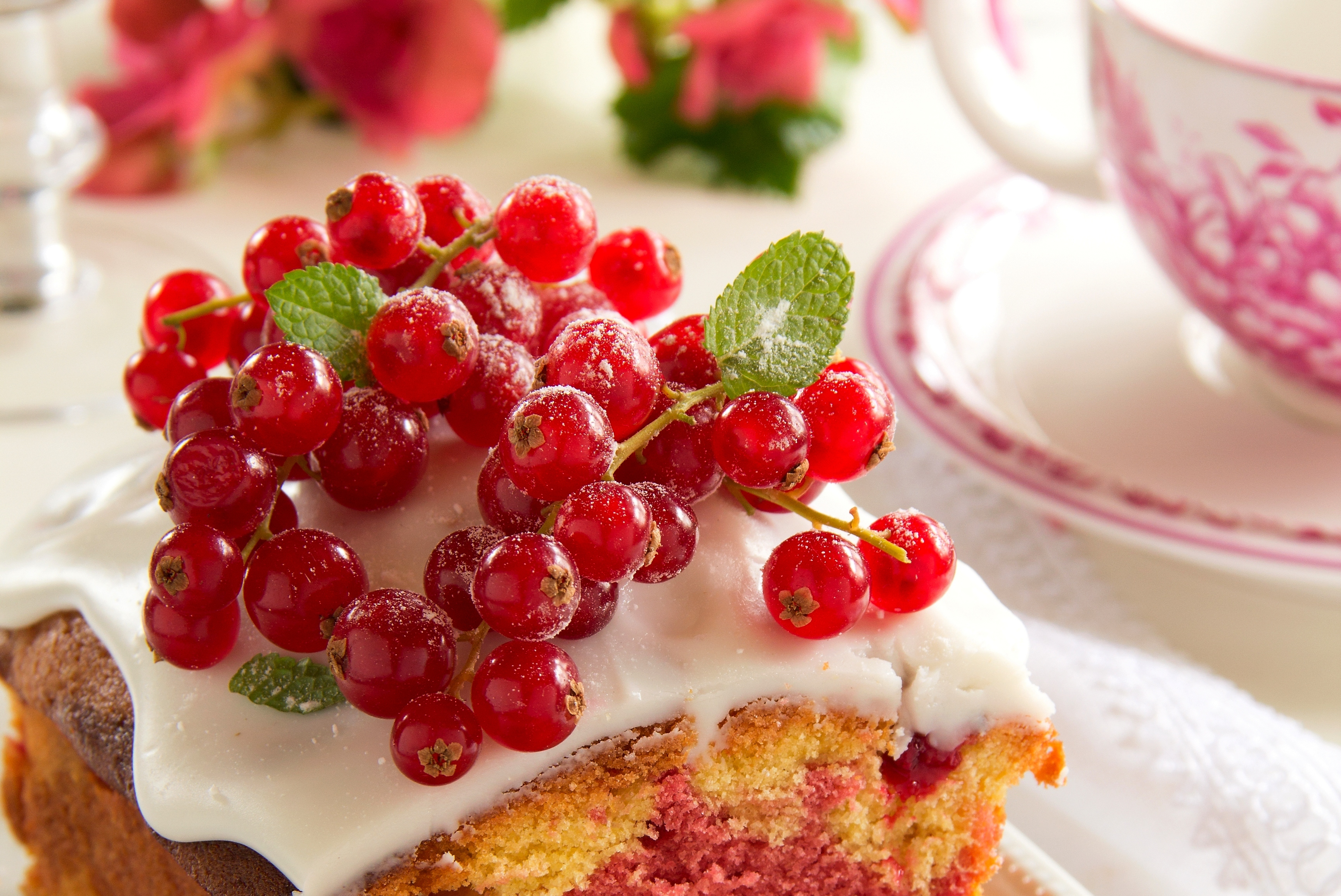 Cherries on Cake Closeup wallpaper