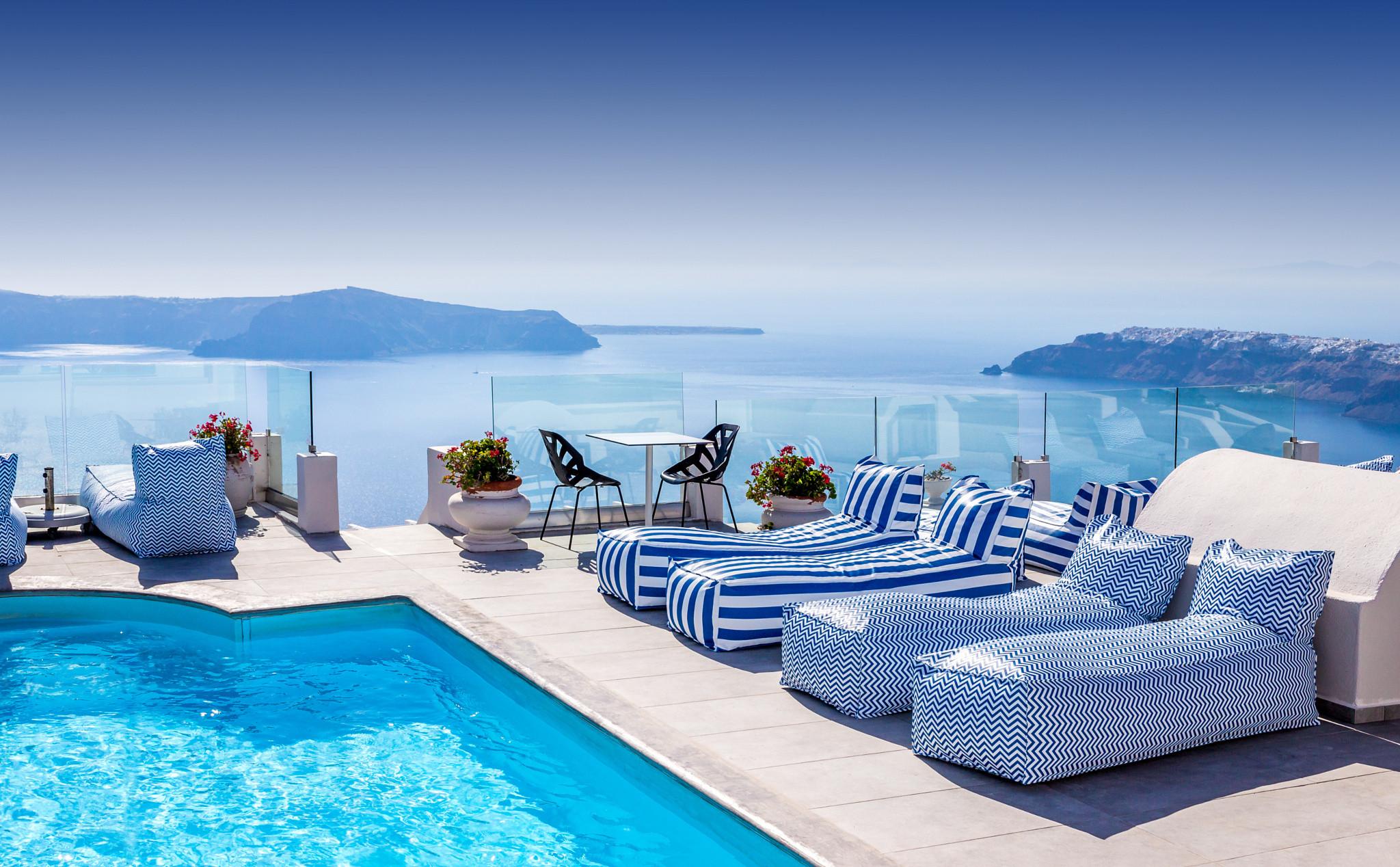 Hotel In Santorini Wallpaper