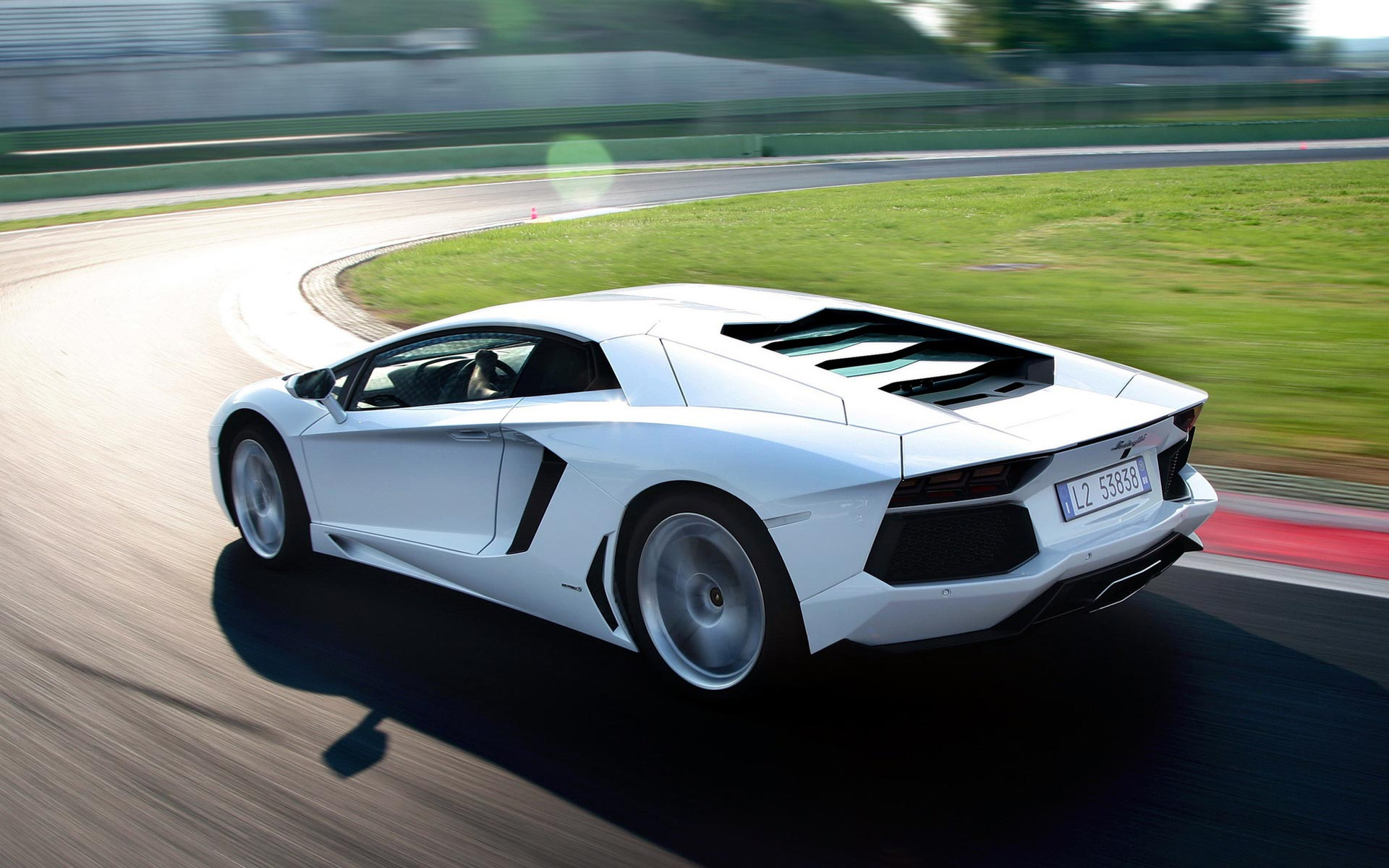 Lamborghini Aventador Dynamic Hd Widescreen HD wallpaper