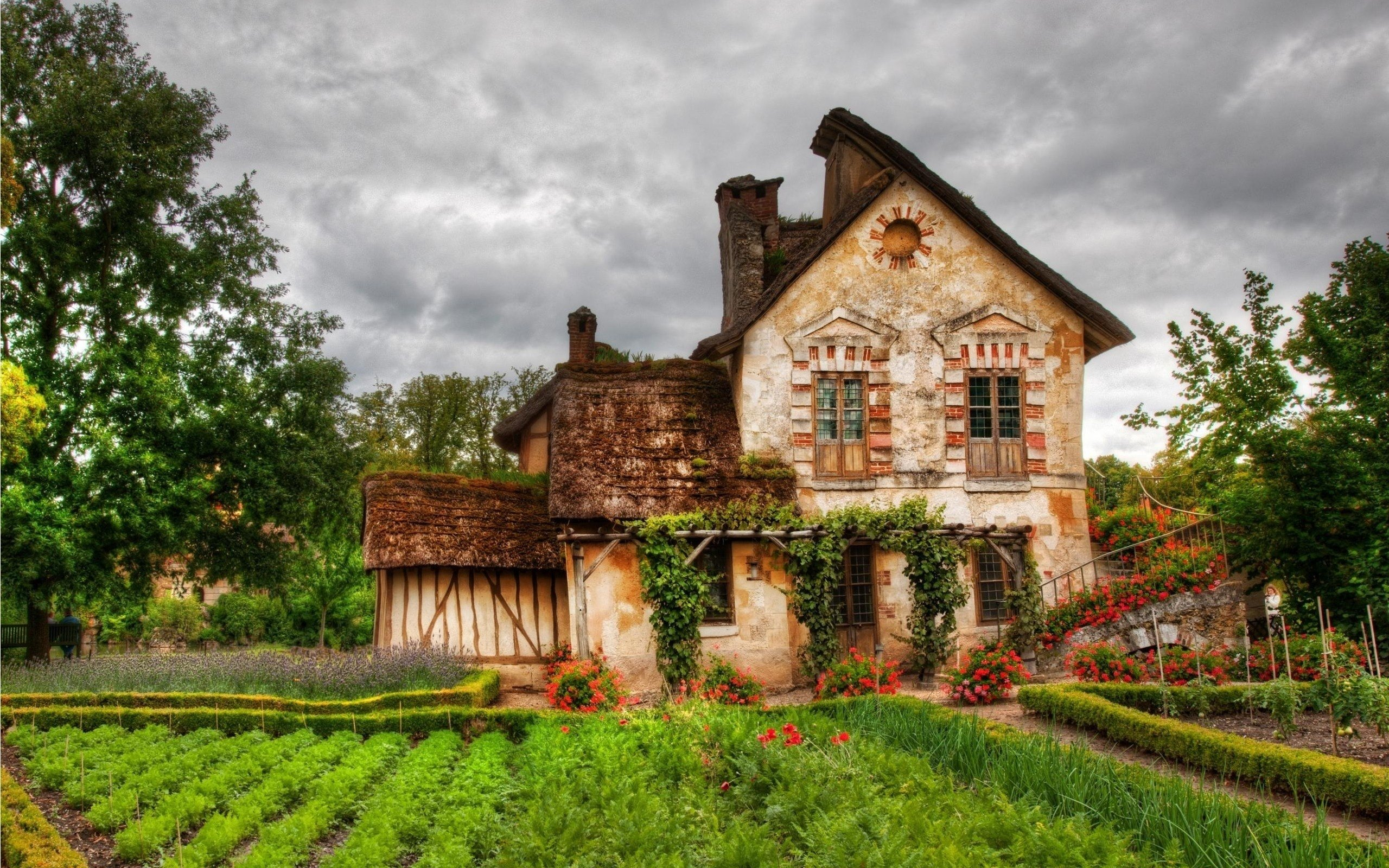 A beautiful cottage in england hd wallpaper for Wallpaper home uk