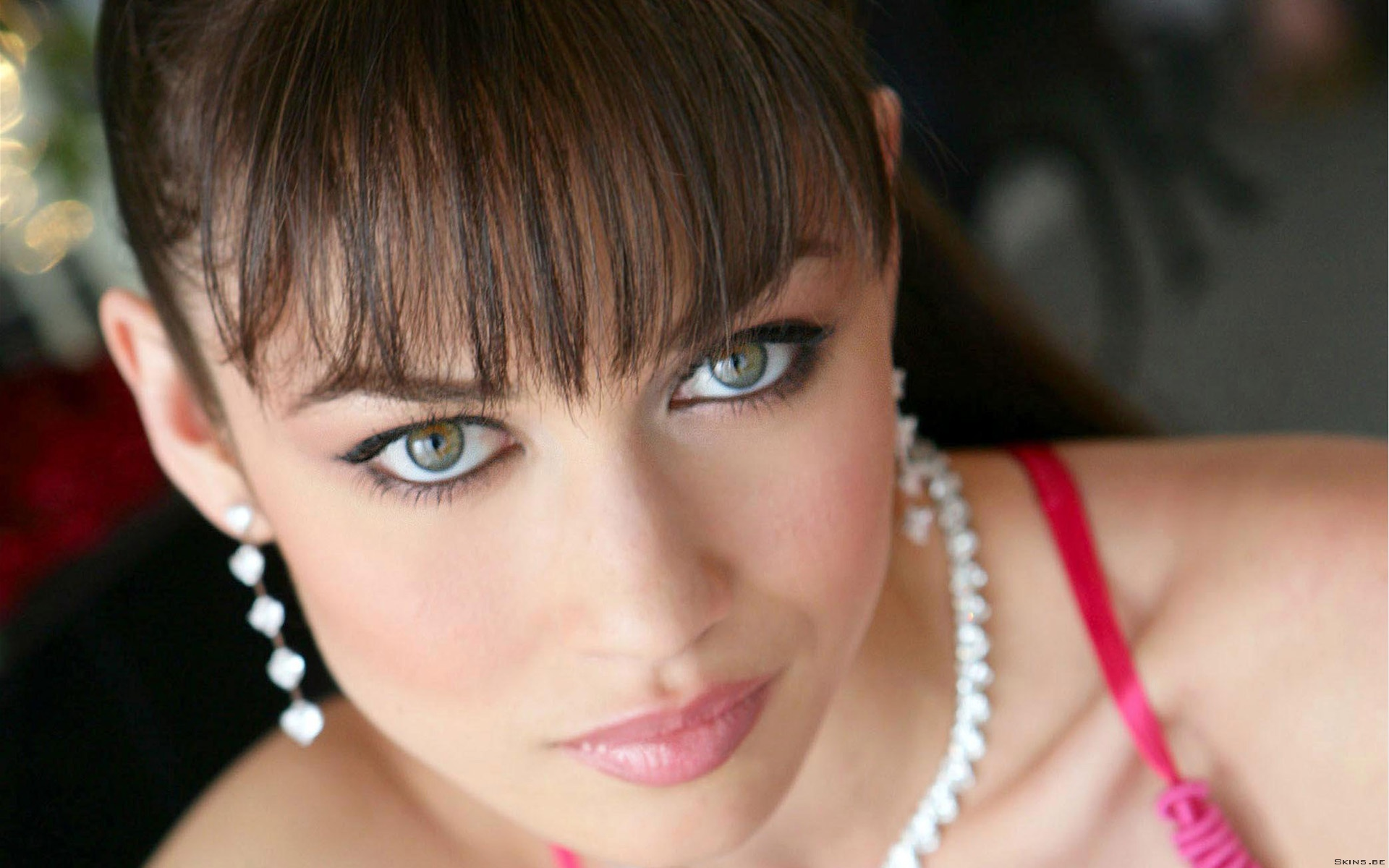Olga Kurylenko Eyes wallpaper