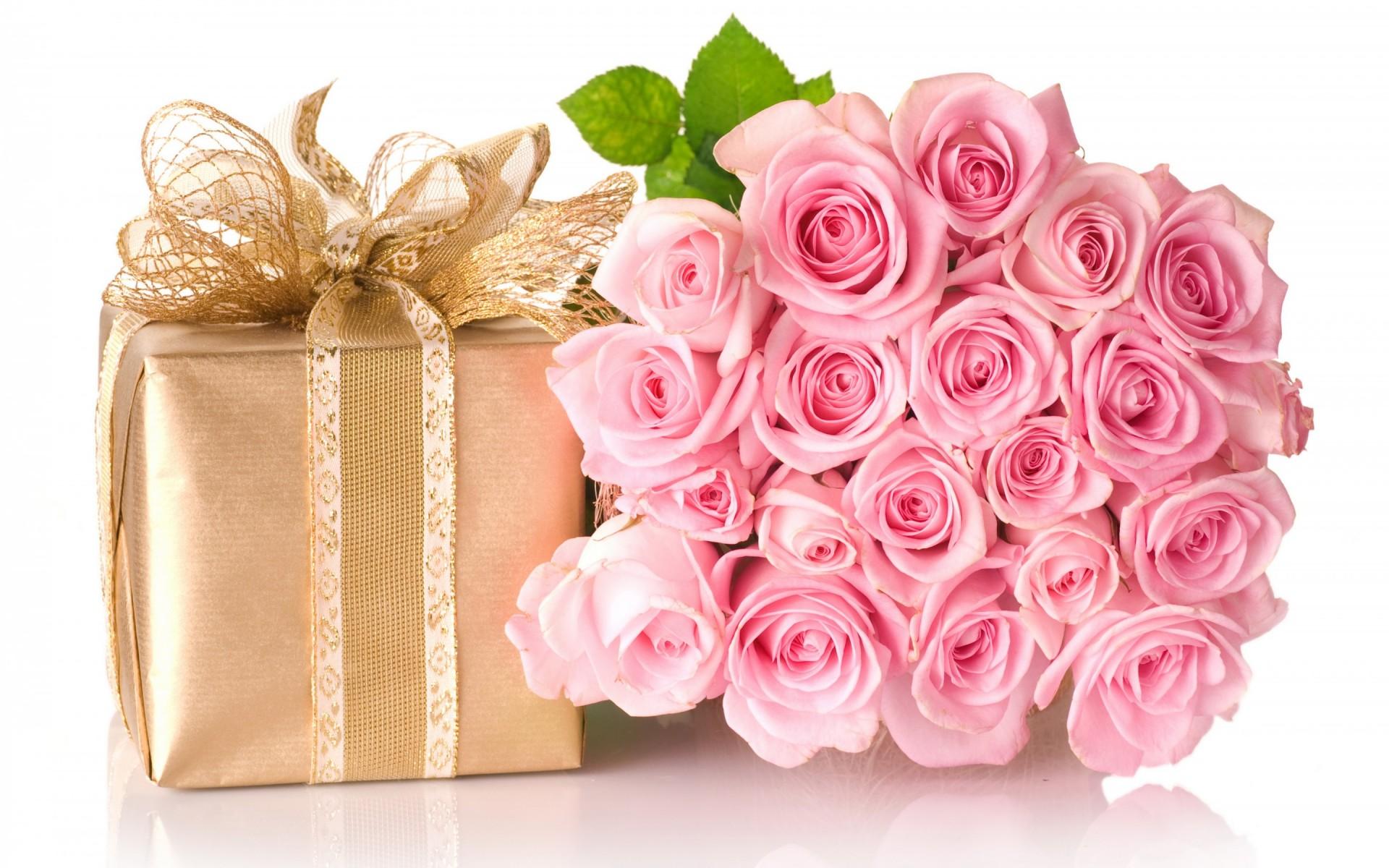 Happy Birthday Roses Bouquet Wallpaper