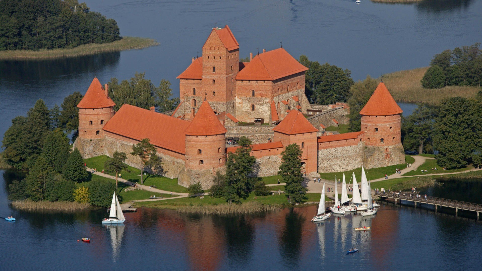 Trakai Island Castle Lithuania wallpaper