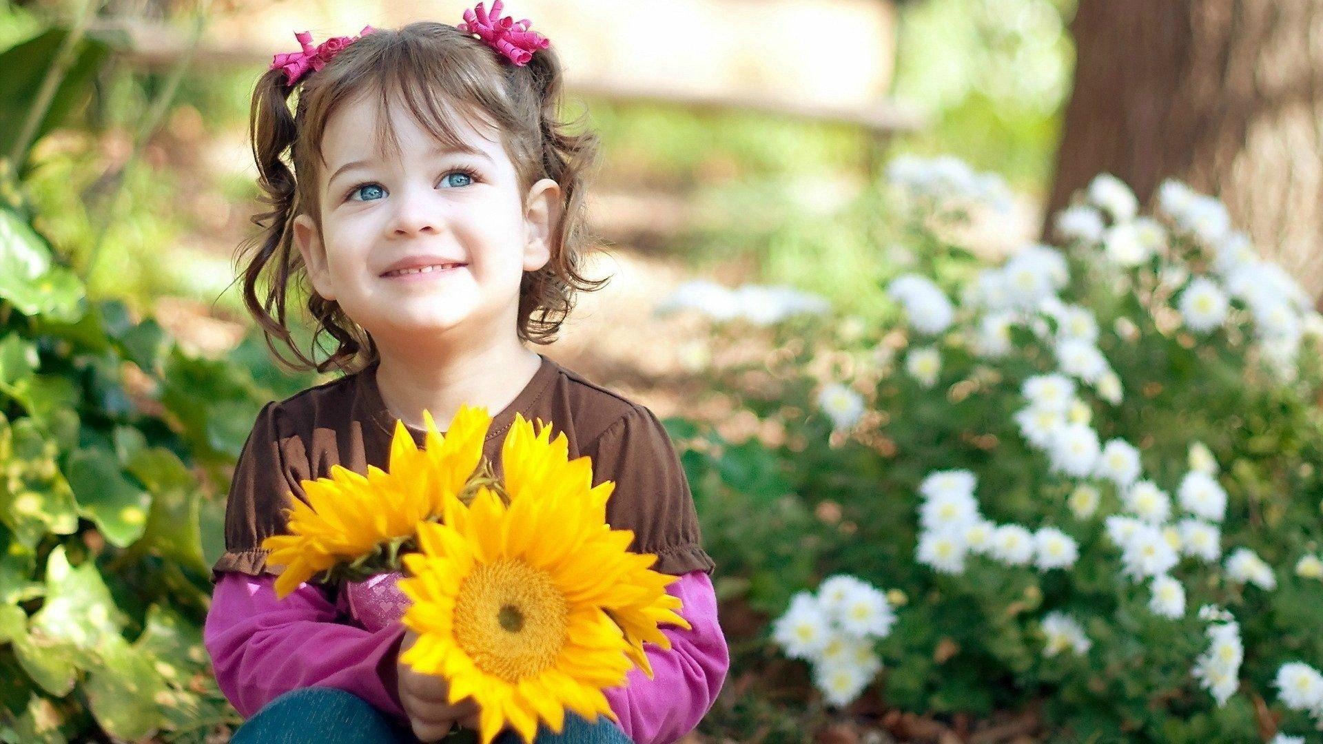 Happy Little Girl Smile Hd Wallpaper