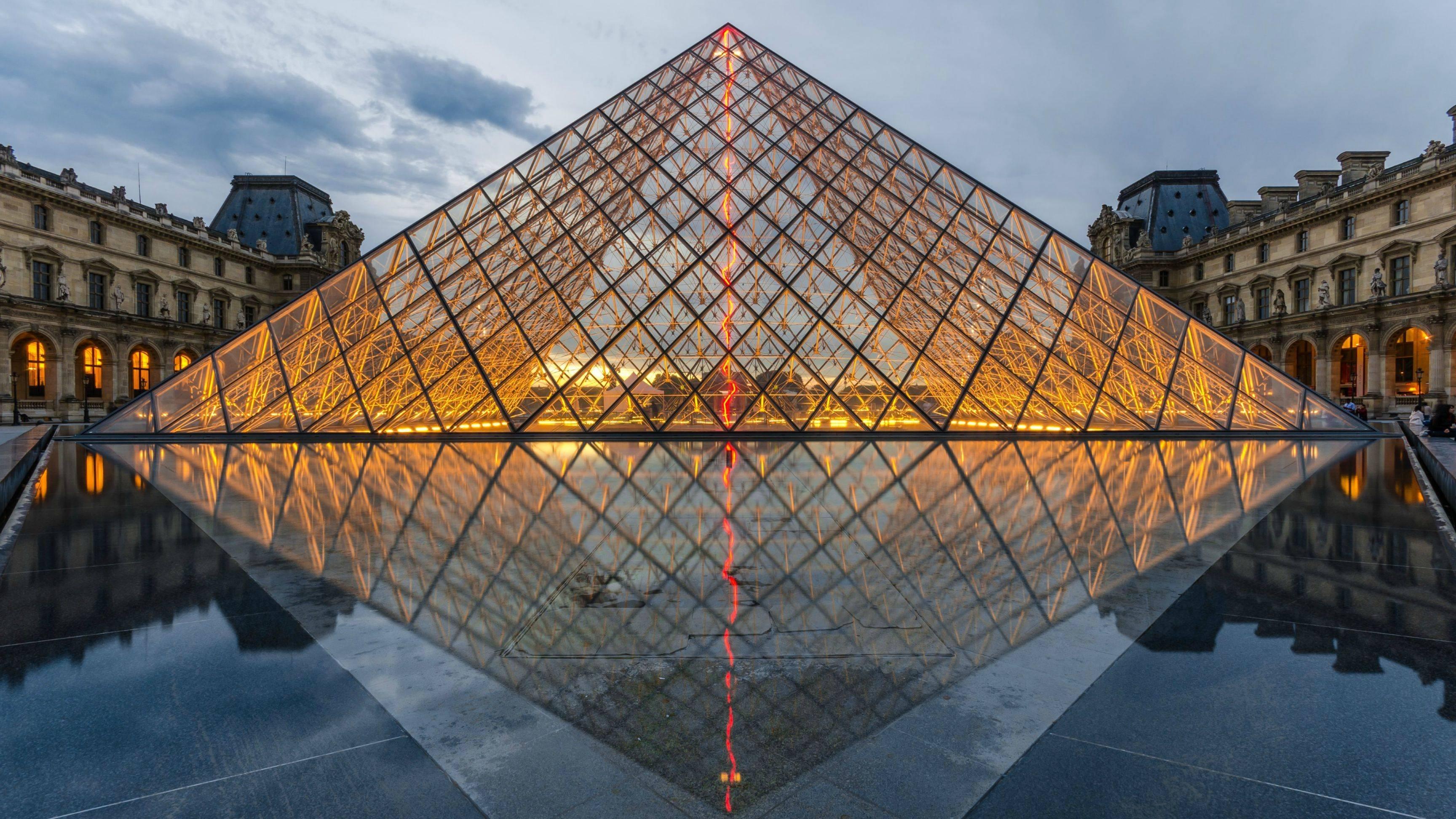 Louvre Pyramid Hd Wallpaper
