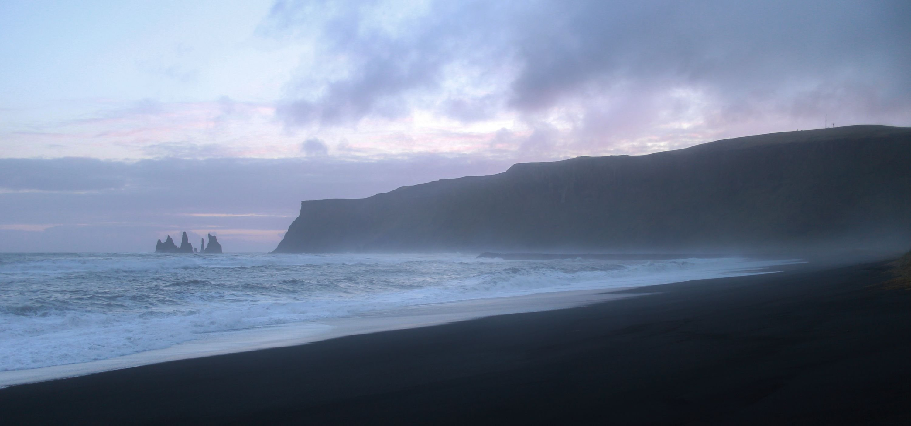 Black Sand Beach In Vik Iceland At Sunset Hd Wallpaper