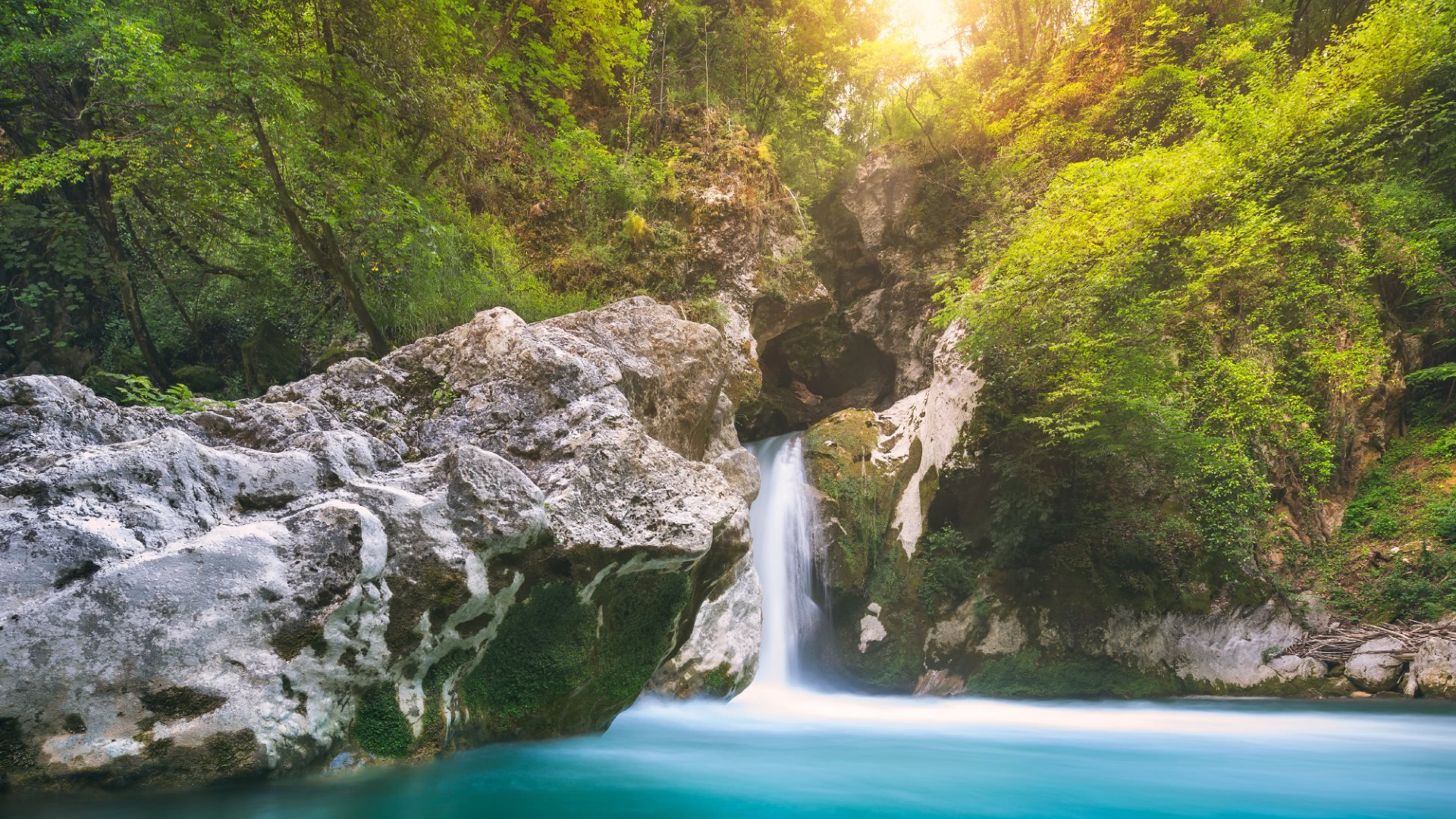 Spectacular Turquoise Waterfall wallpaper