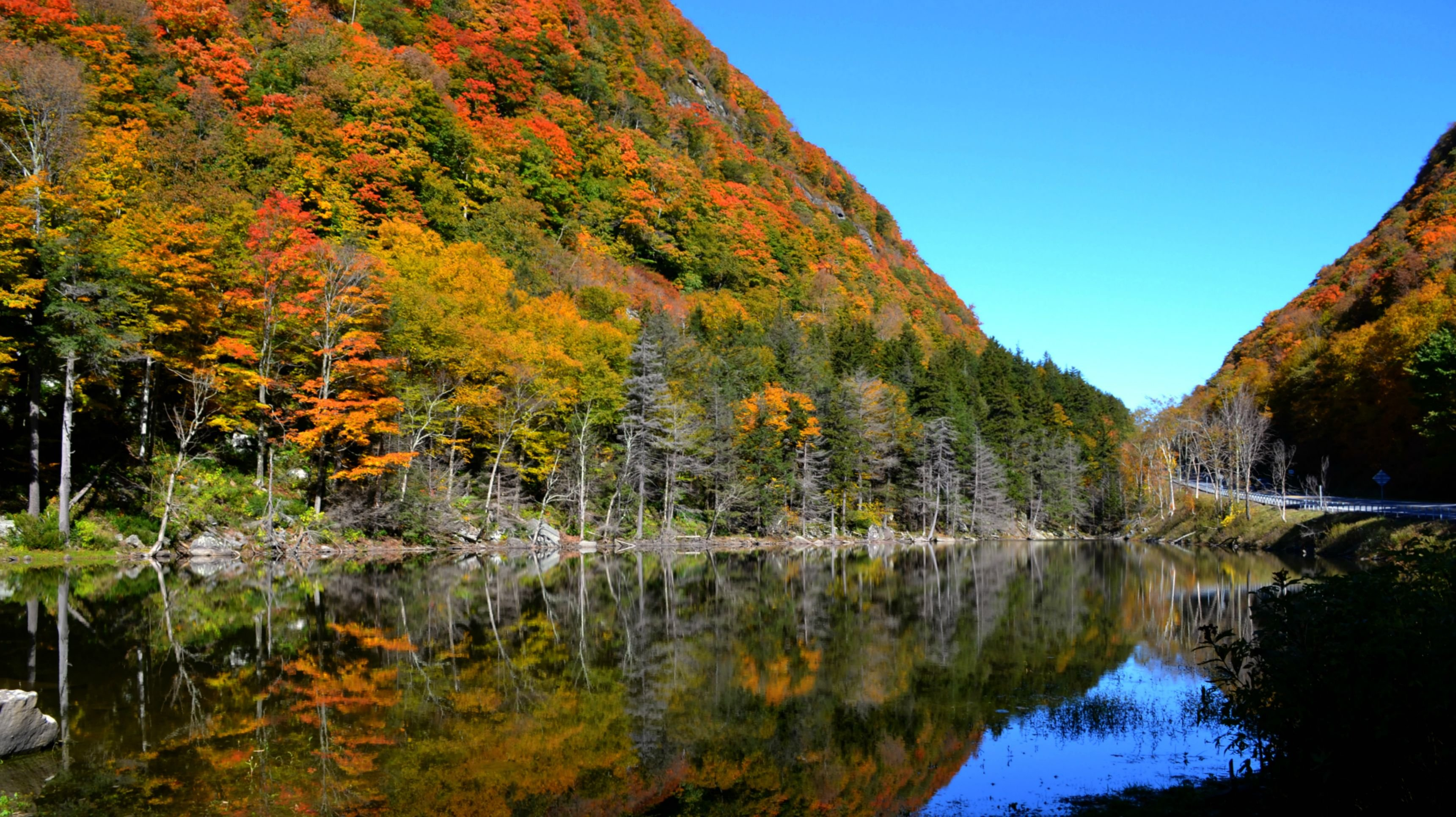 Notch Lake Along Route New York wallpaper