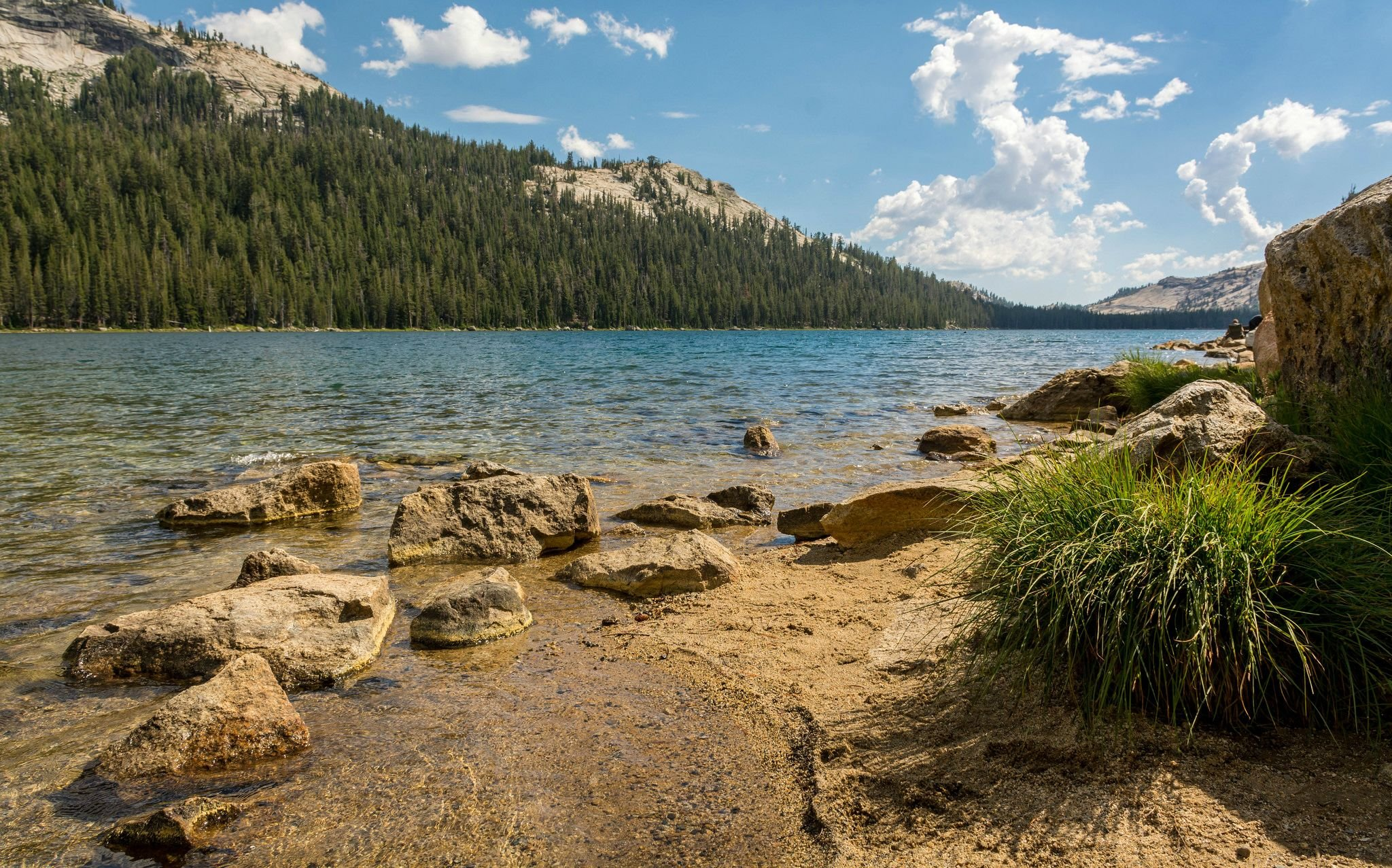 Lakeside in the High Sierras CA wallpaper