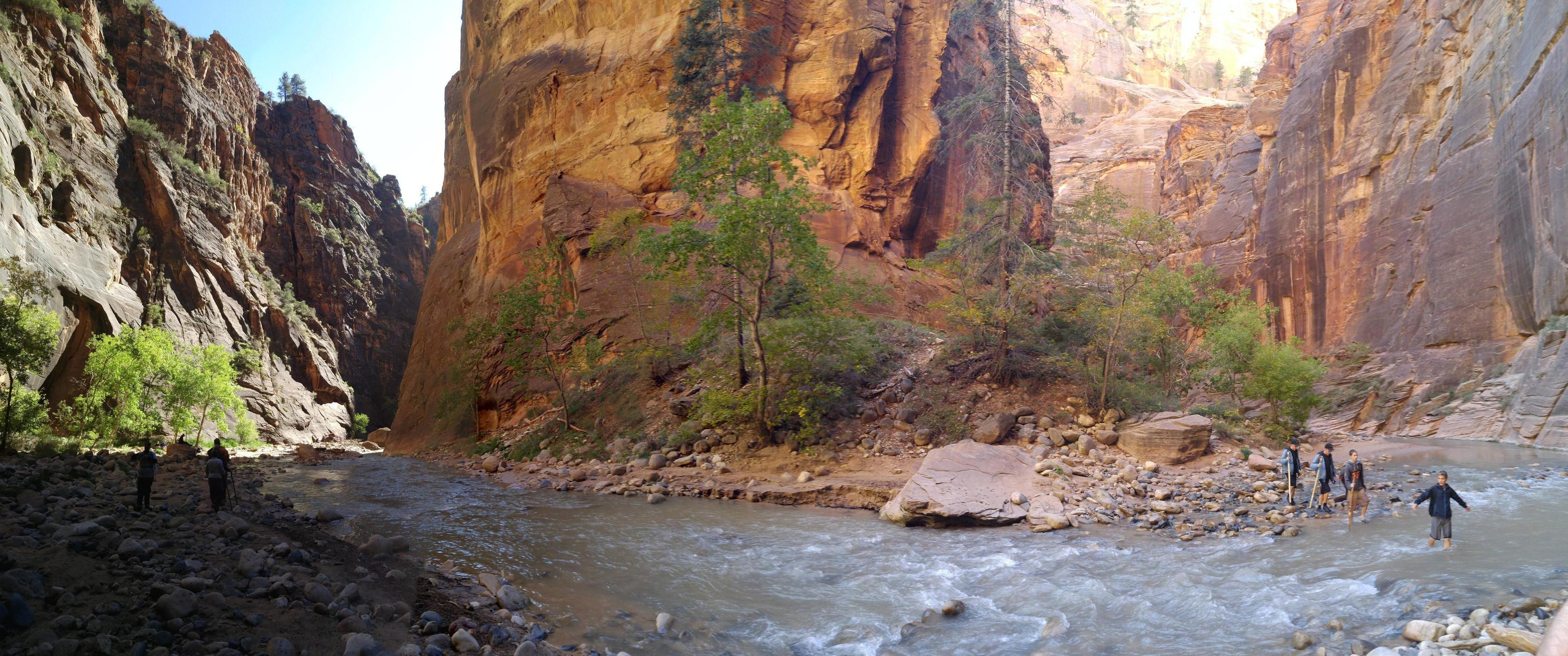 Hikied The Narrows At Zion National Park Hd Wallpaper