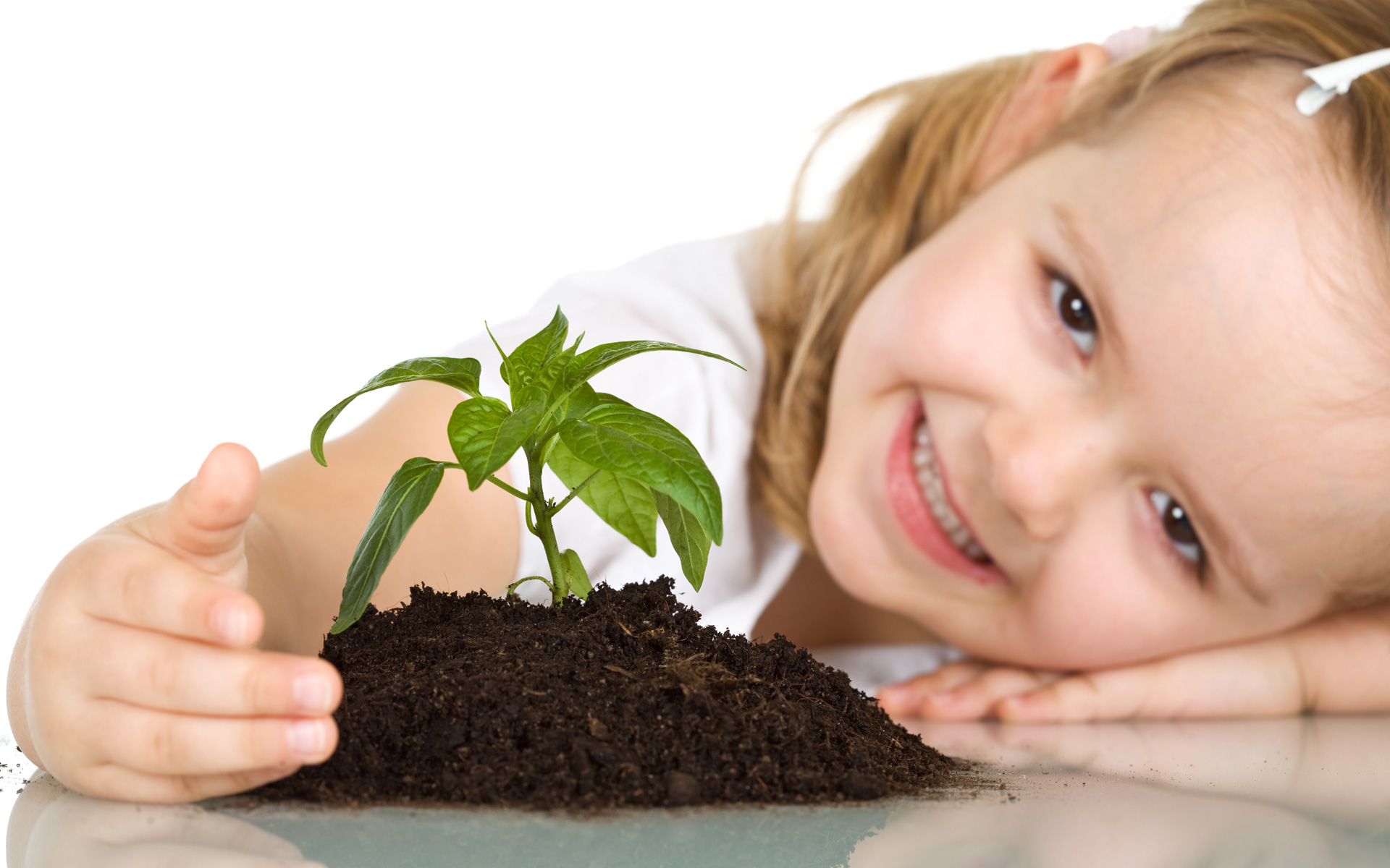 Cute Baby Girl Plant wallpaper