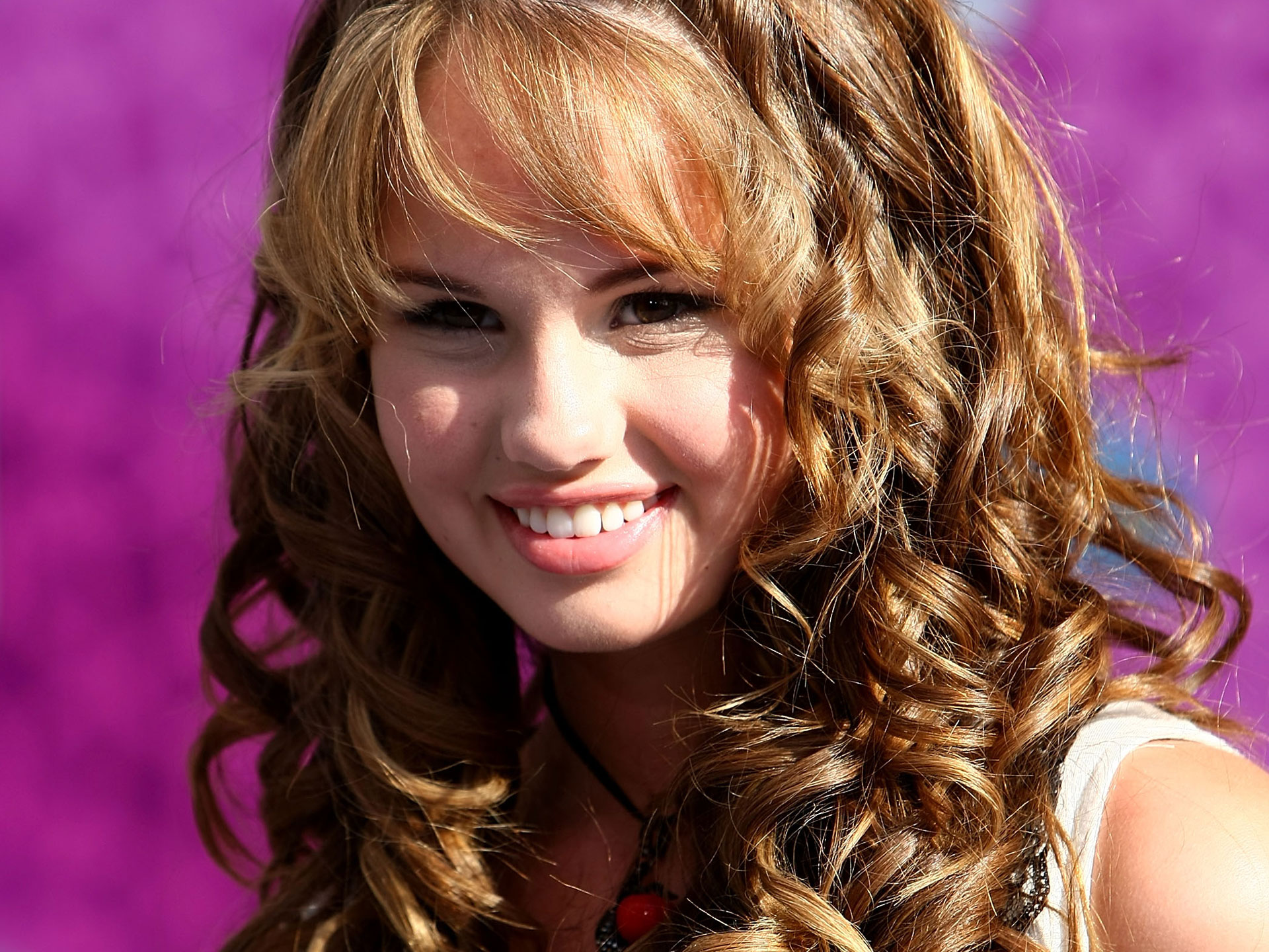 Cute Girl Debby Ryan wallpaper
