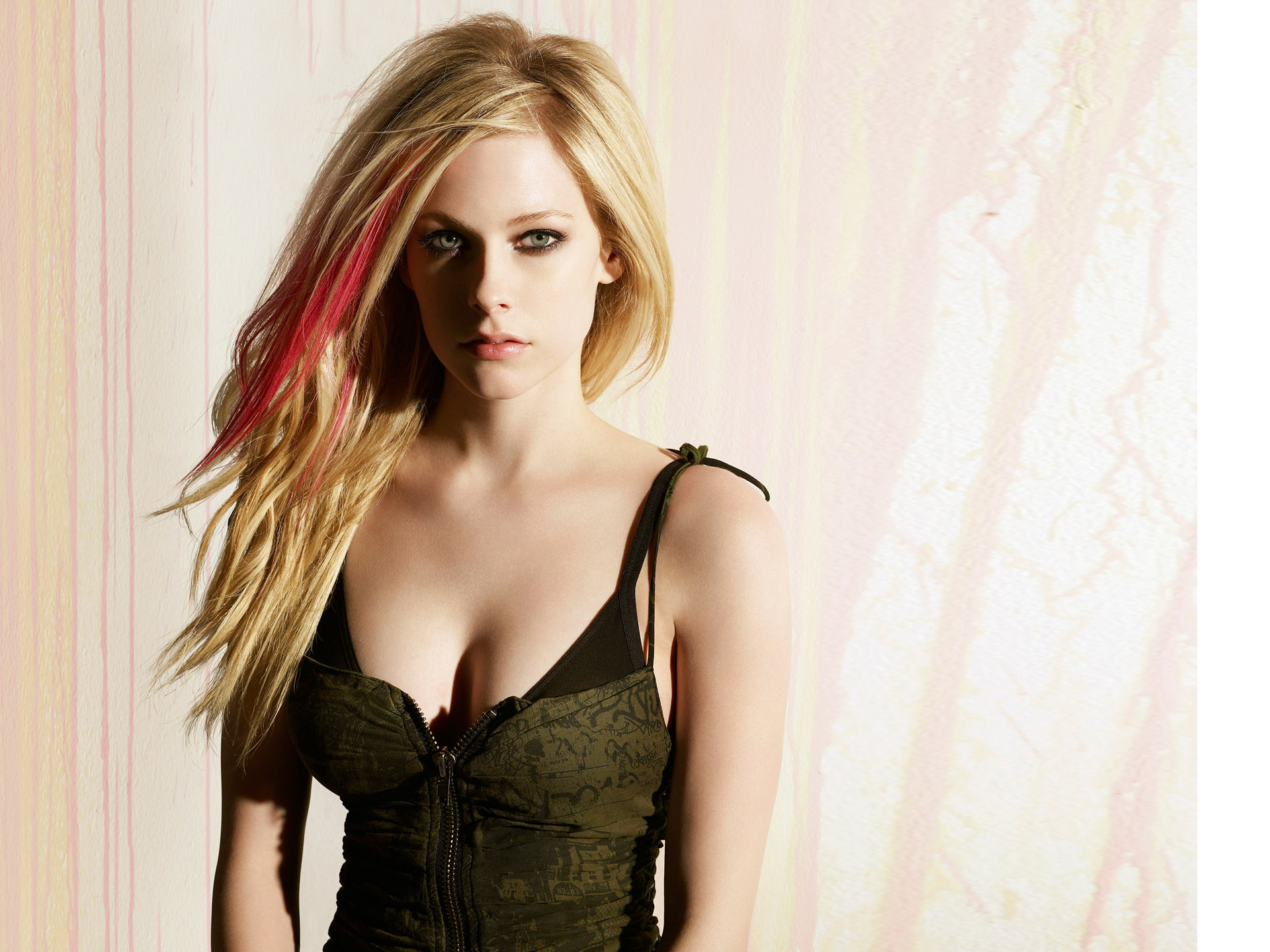 Page 2 Of Lavigne 4k Wallpapers For Your Desktop Or Mobile Screen