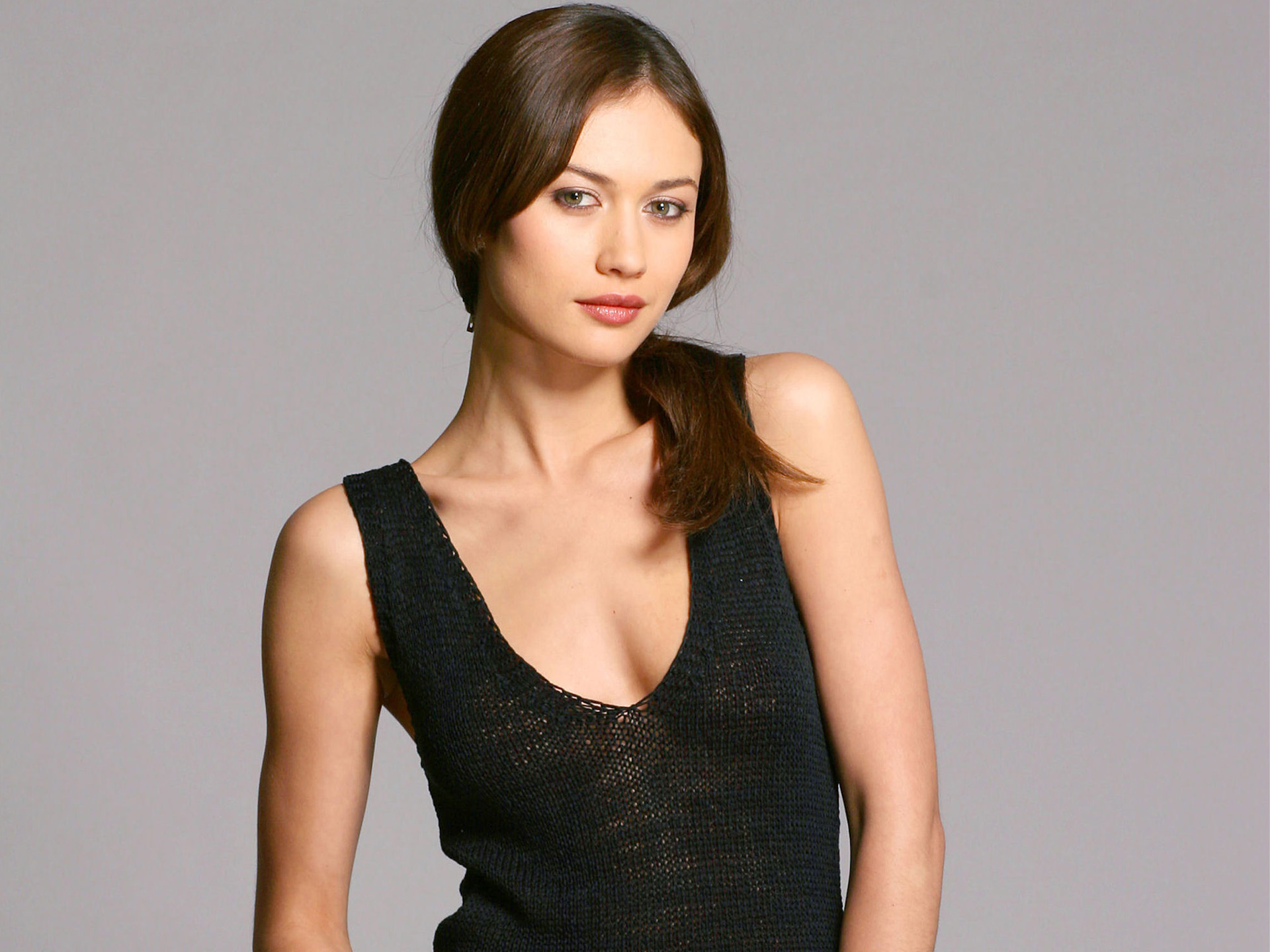 Bond Girl Olga Kurylenko HD wallpaper