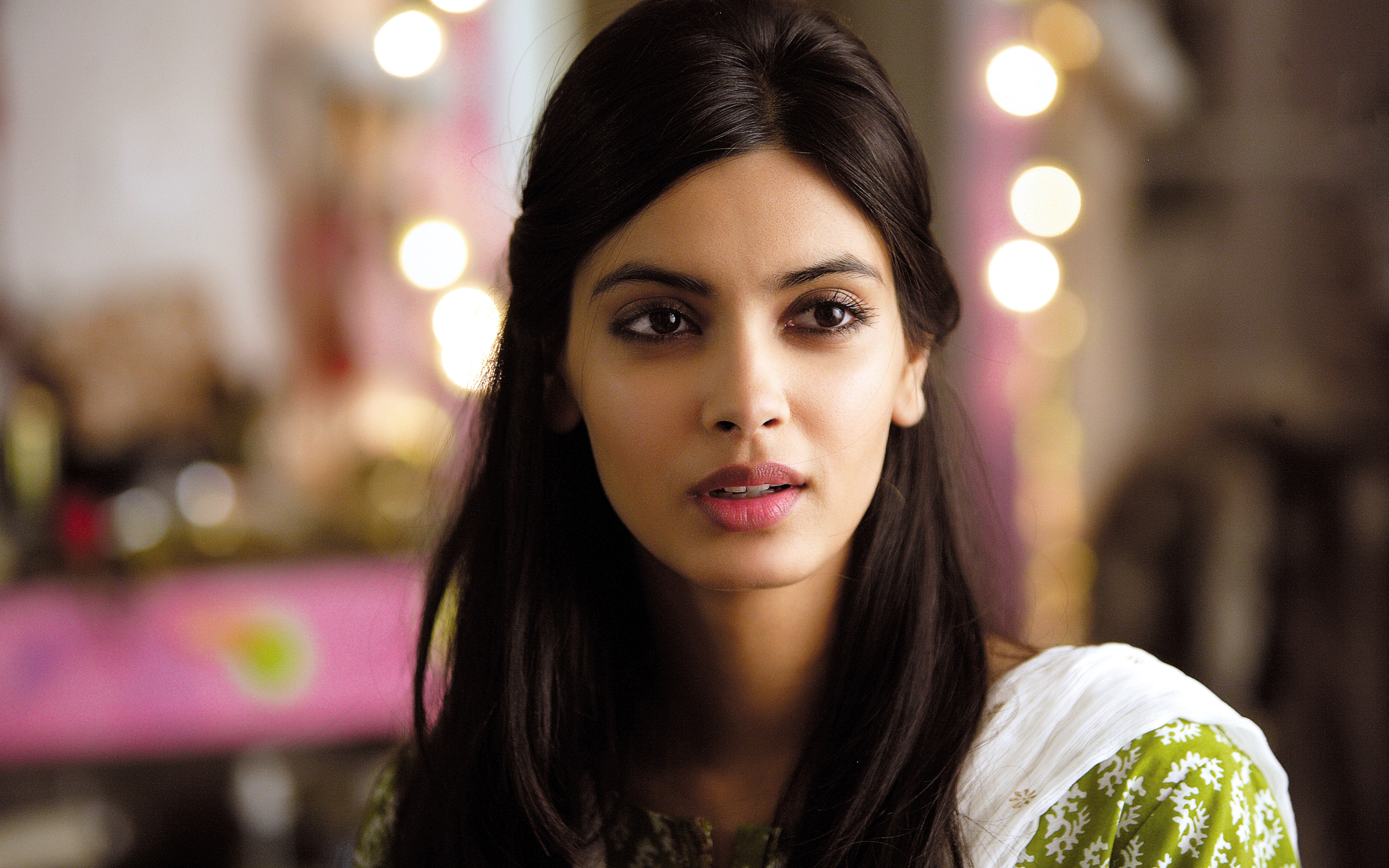 Diana Penty in Cocktail Movie wallpaper