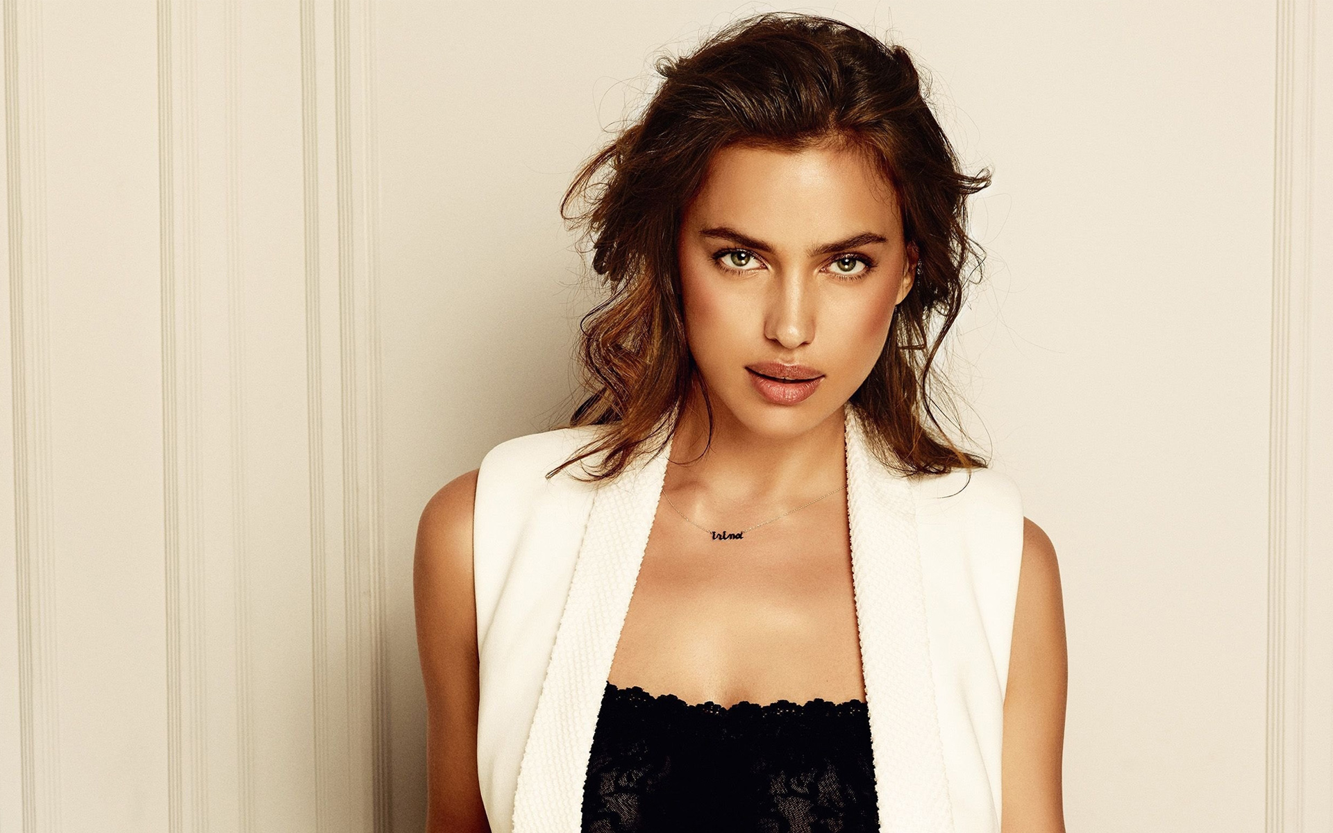 Irina Shayk 10 wallpaper