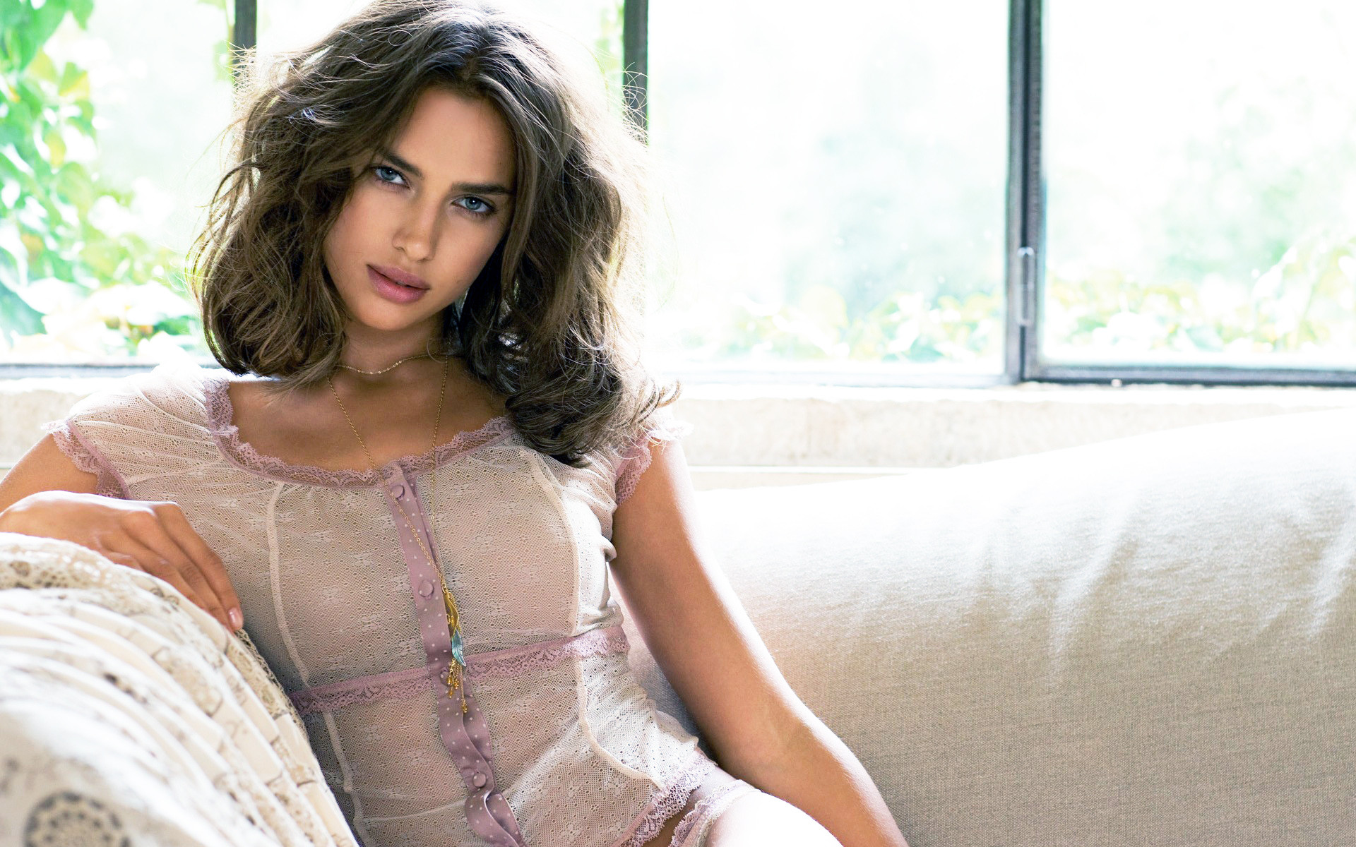 Irina Shayk 2014 wallpaper