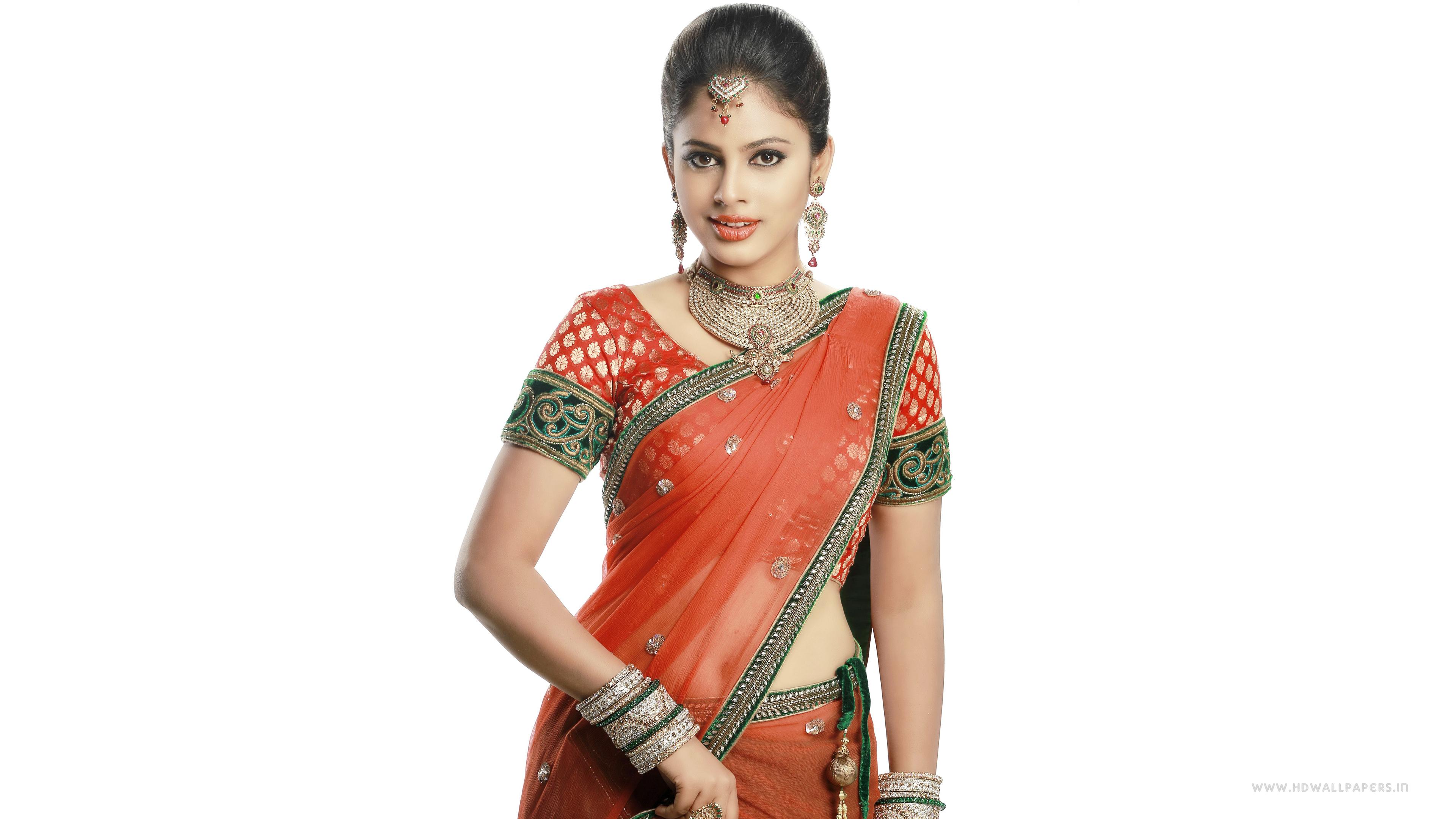 Saree Actress Nandita Swetha Wallpaper Rashi Khanna Traditional Dress Images