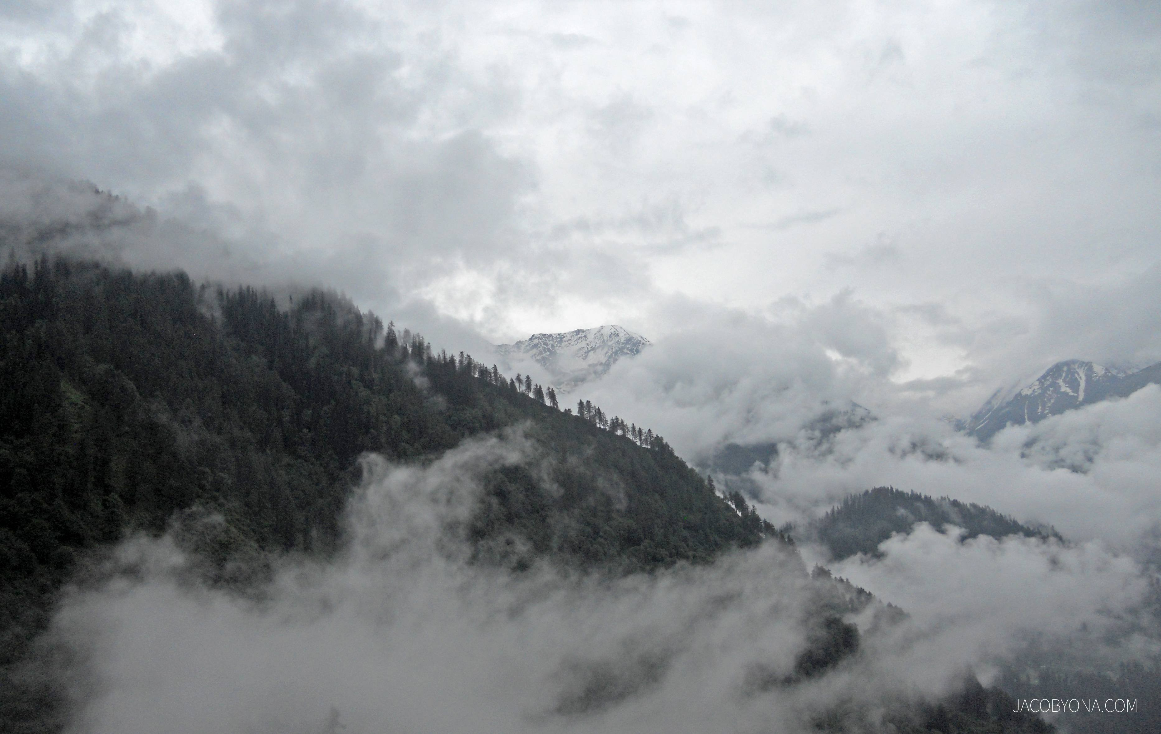 Tosh Himachal Pradesh India HD Wallpaper