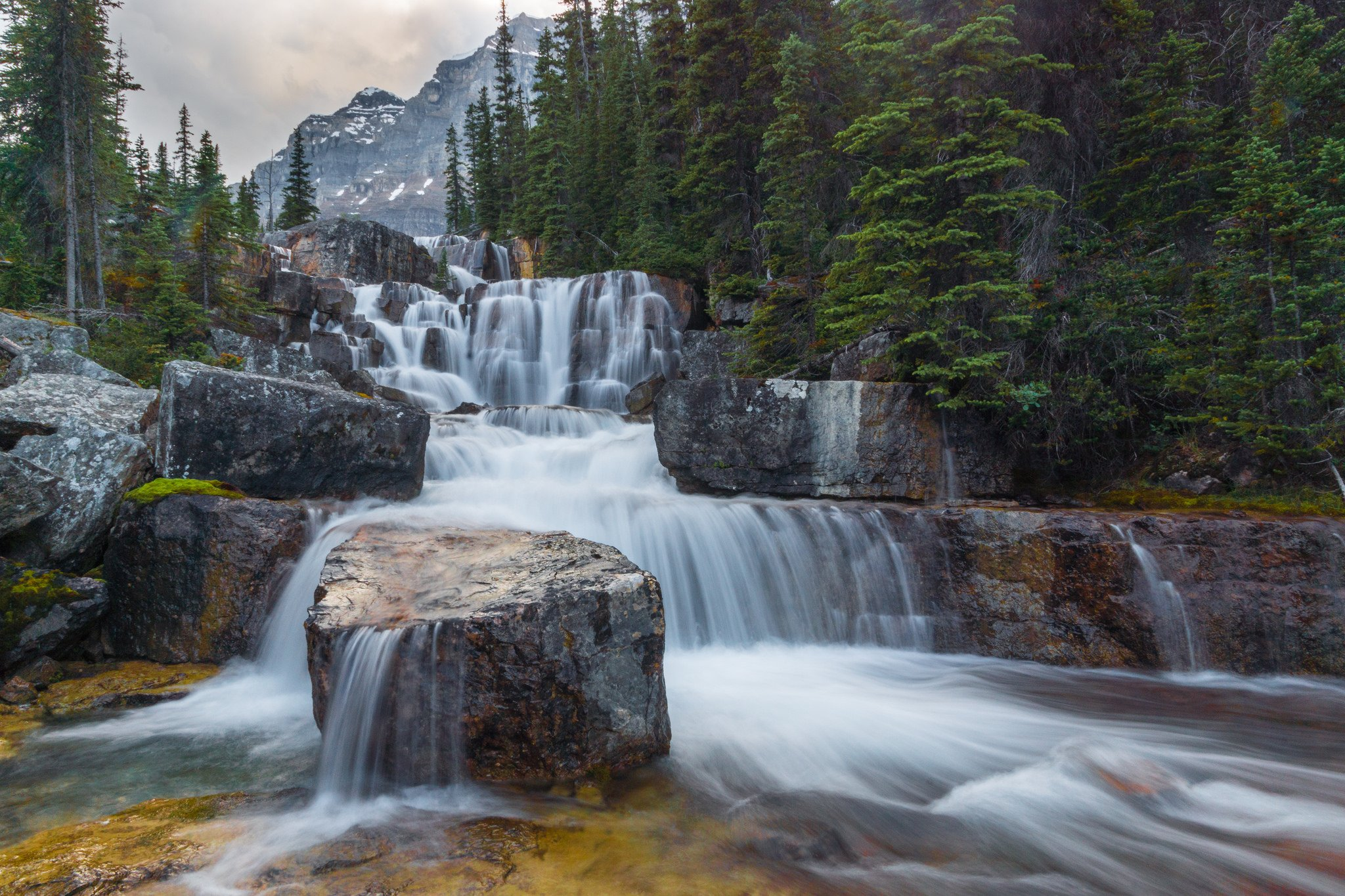 Giant Steps in Paradise Valley Banff National Park wallpaper
