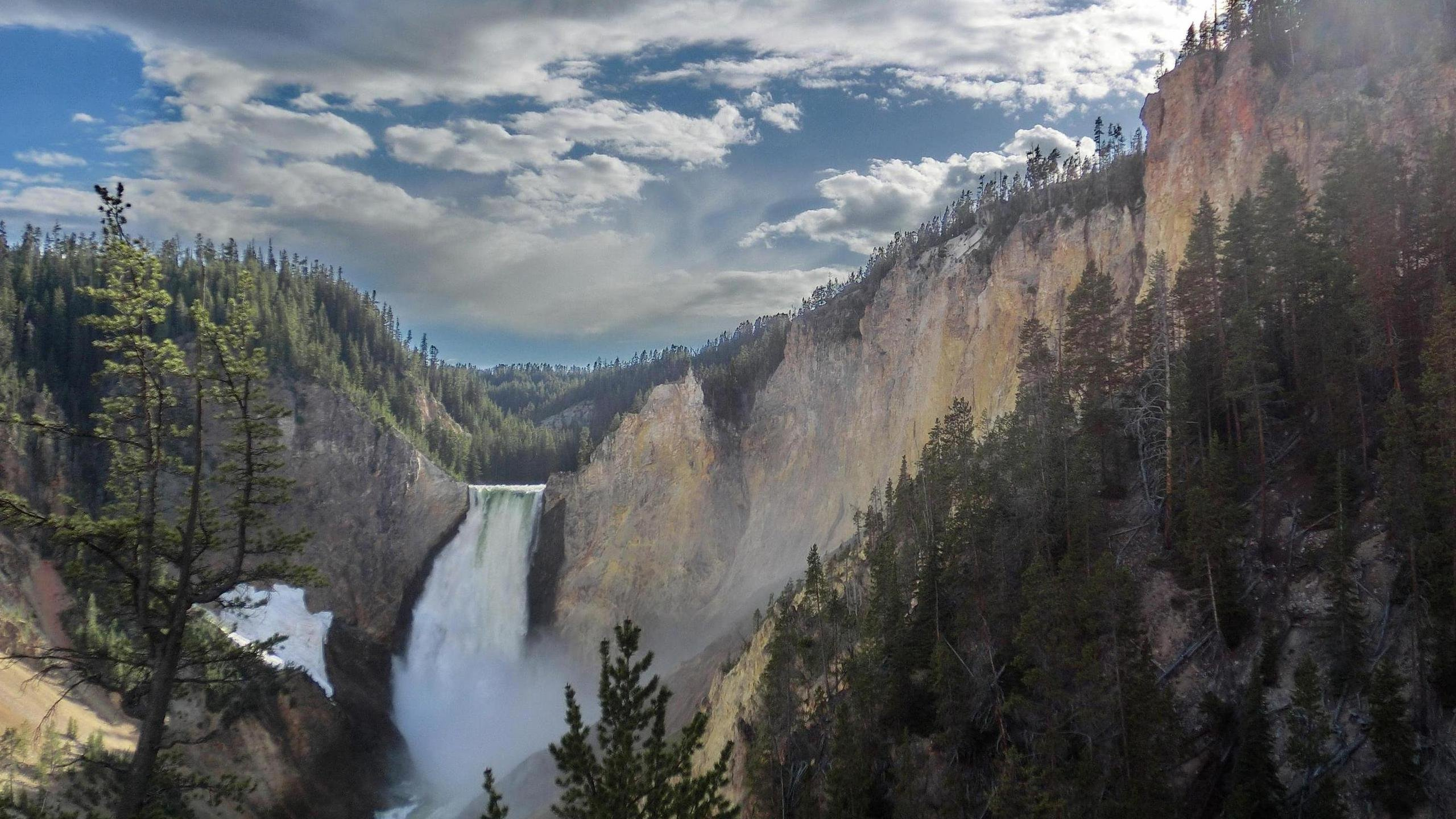 High Dynamic Range of Yellowstone Falls Wyoming wallpaper