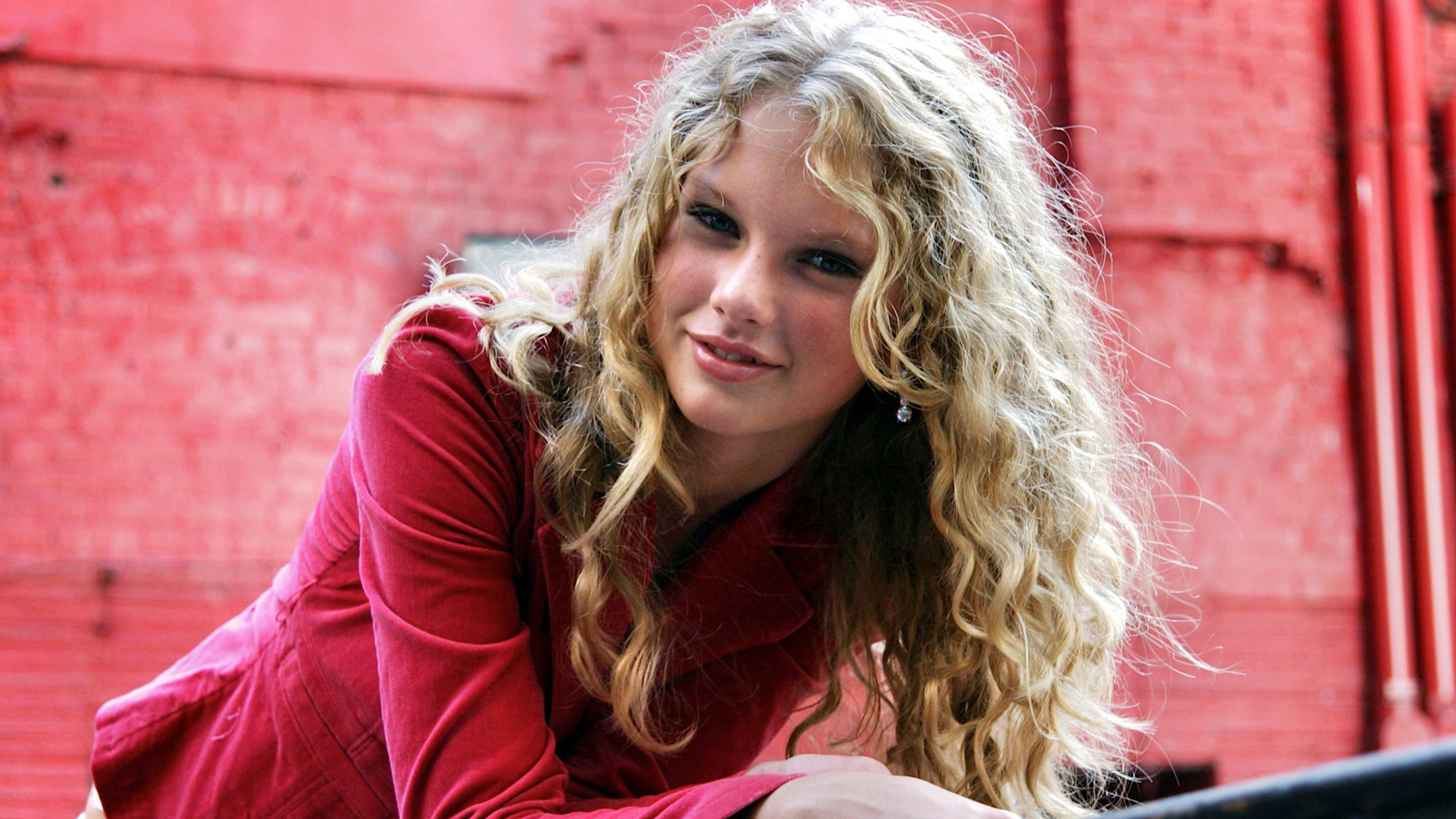 Taylor 4k Wallpapers For Your Desktop Or Mobile Screen Free And Easy To Download