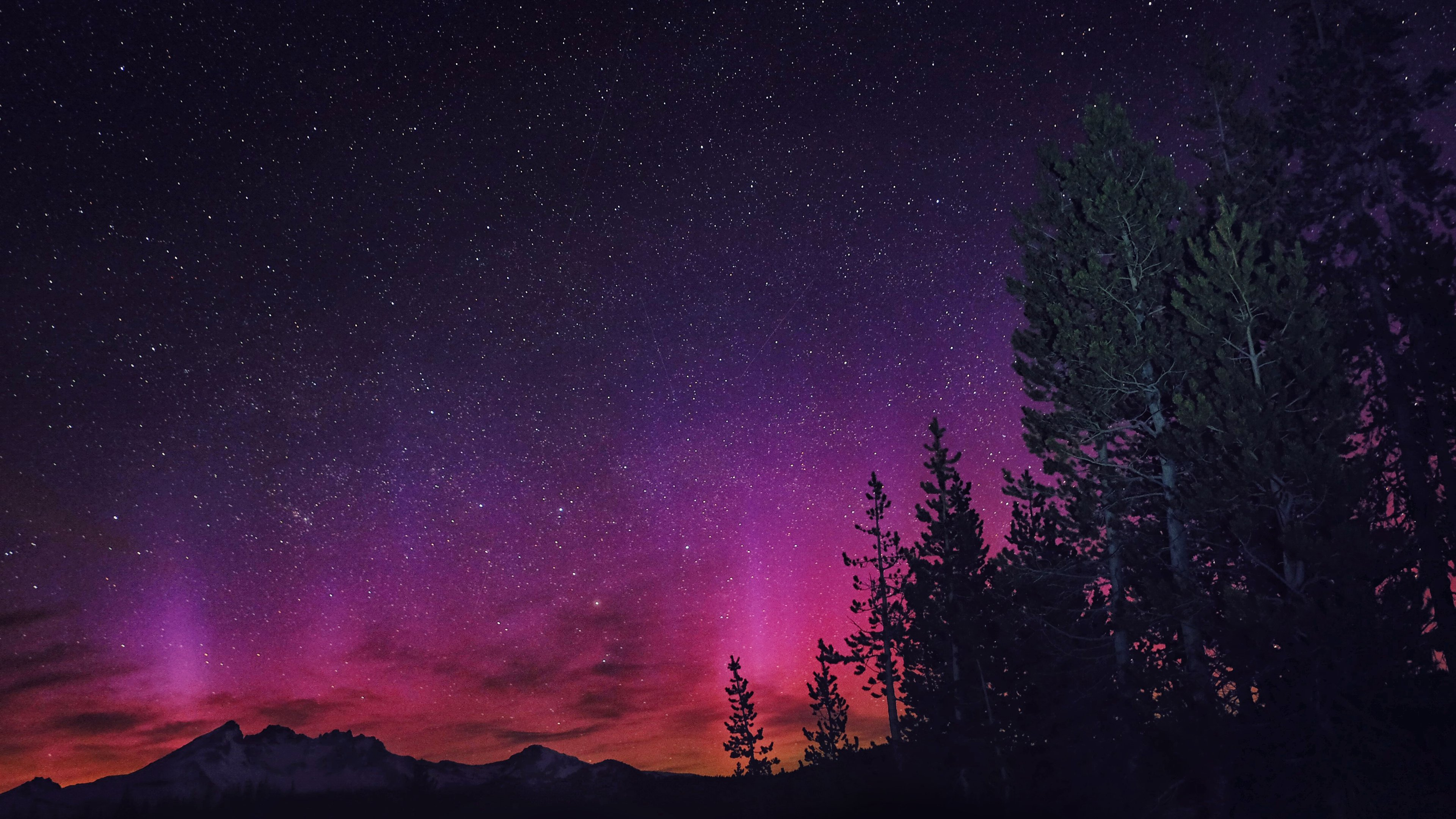 Northern Lights in Oregon wallpaper