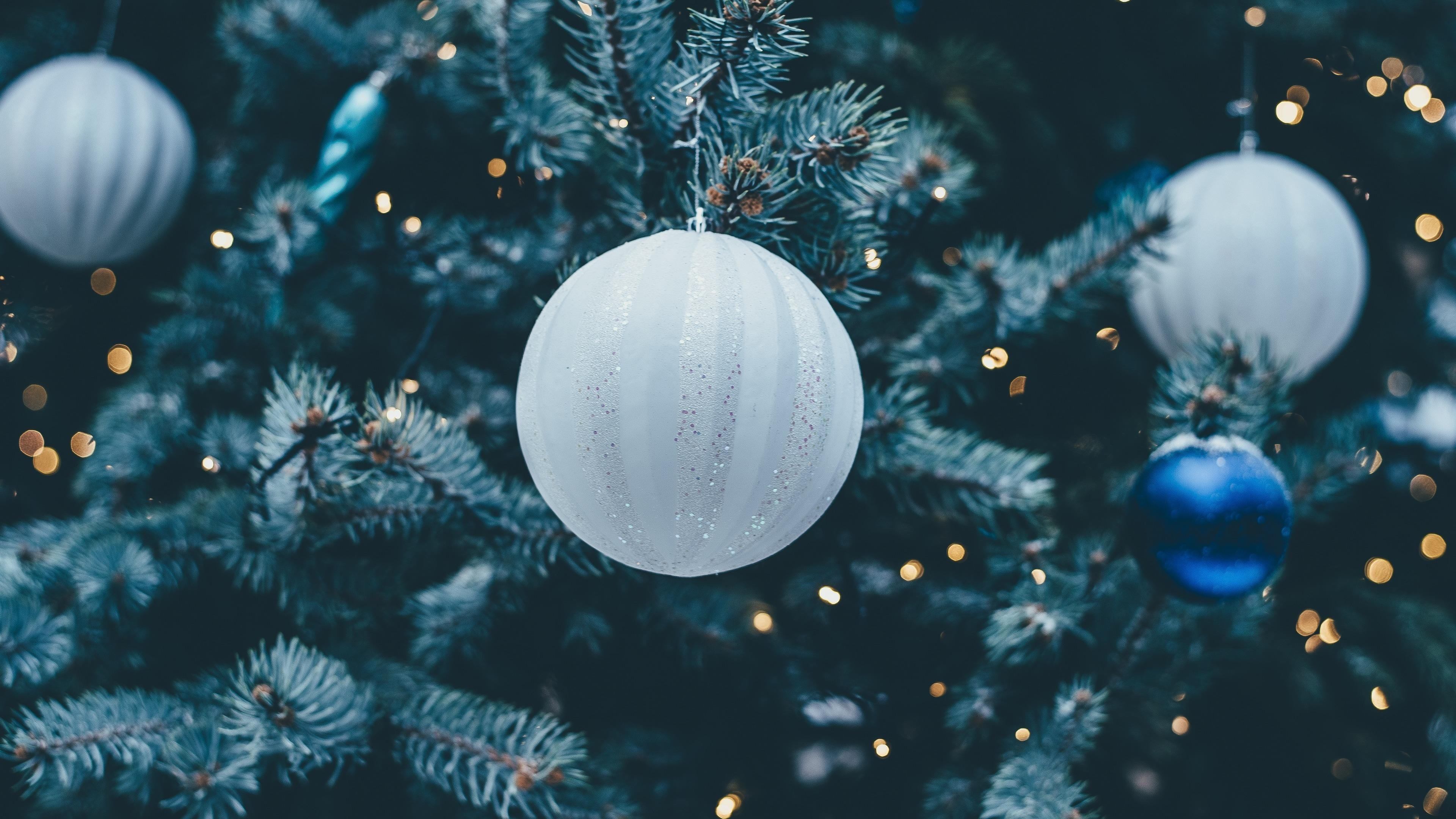 Decorations on Christmas Tree wallpaper