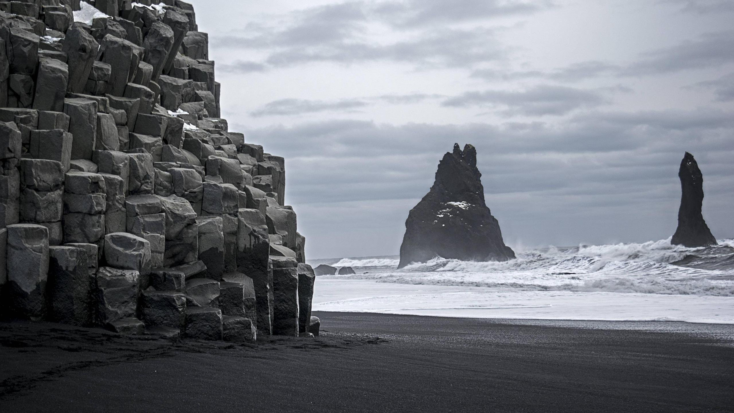 Gloomy Day At Reynisdrangar Iceland Hd Wallpaper