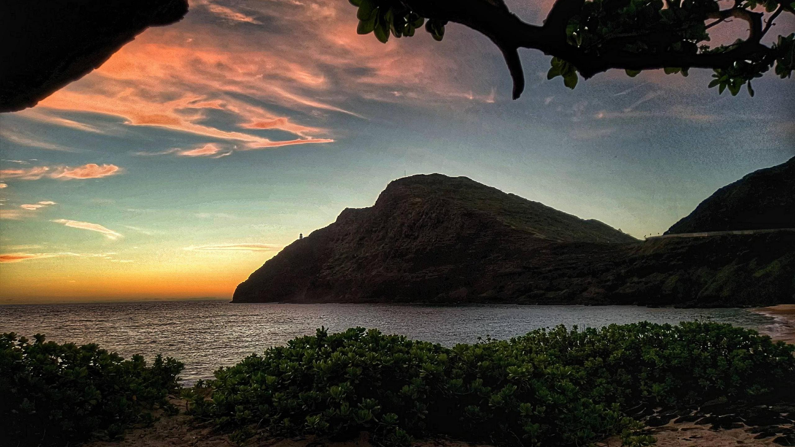 Sunrise at Makapu Beach Oahu Hawaii wallpaper