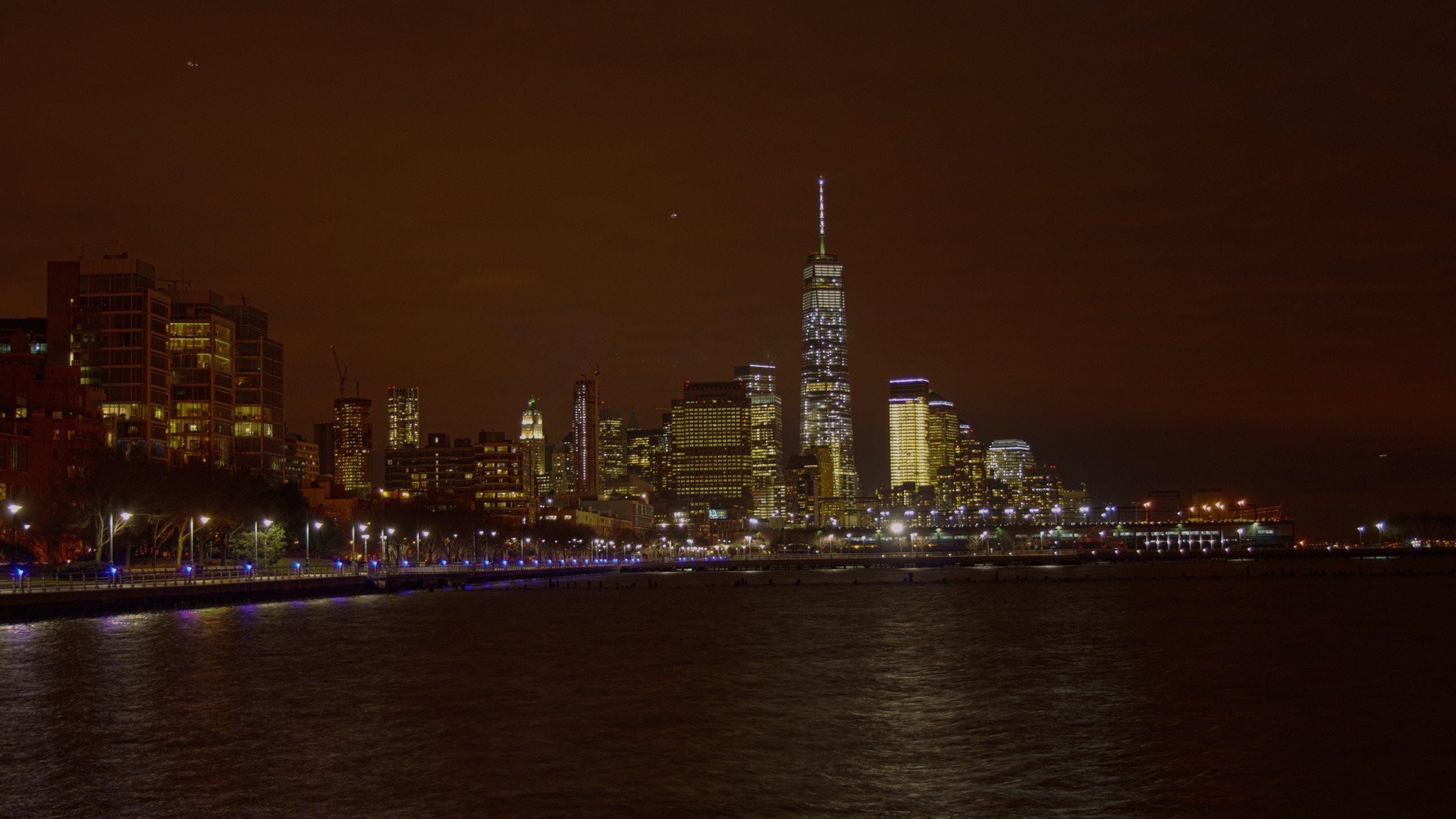 Downtown Manhattan at Night wallpaper