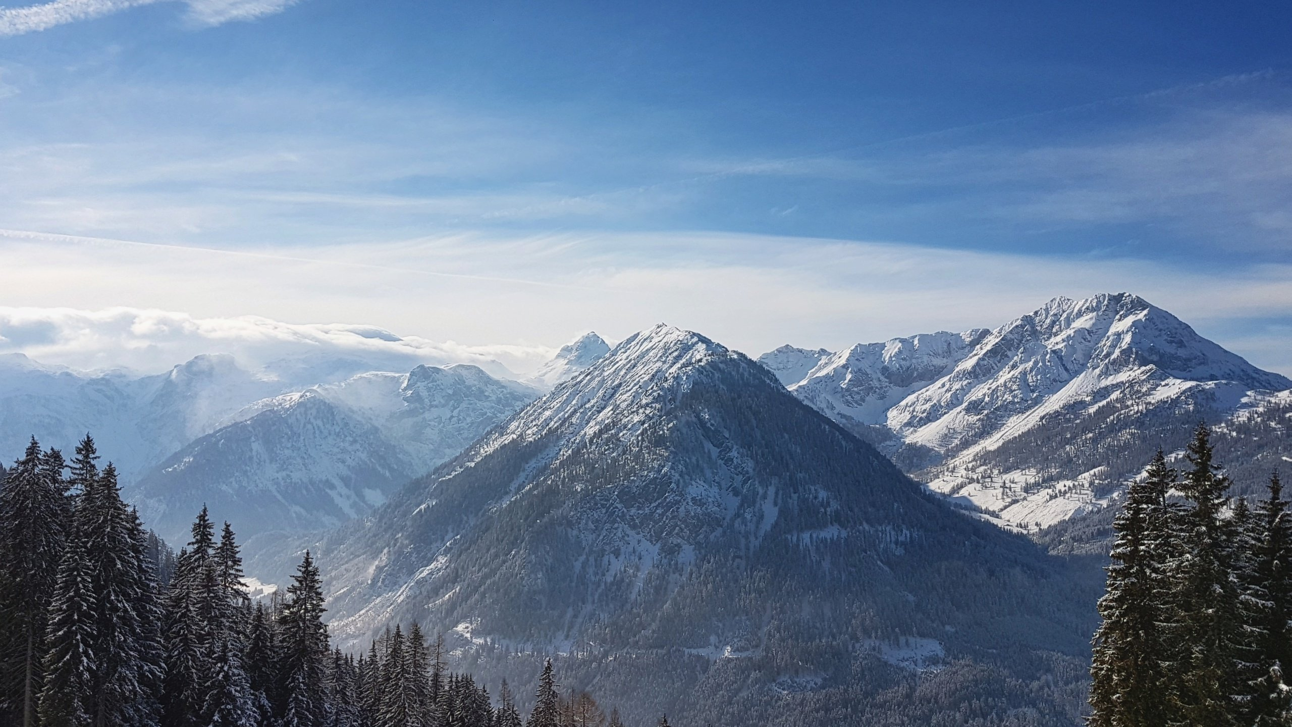 Skiing in Flachau Austria wallpaper