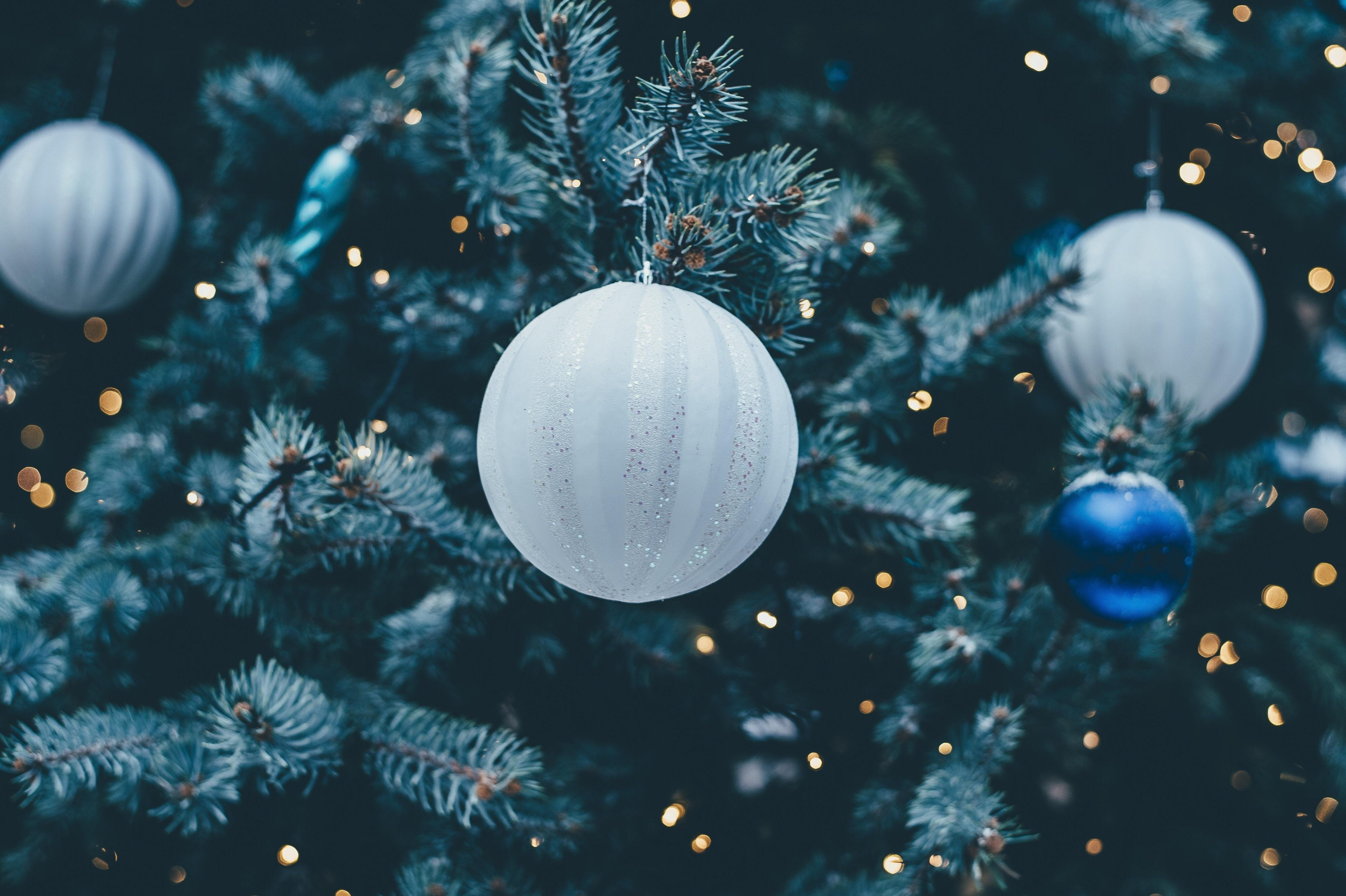 a white christmas wallpaper