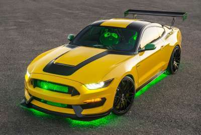 Ford Shelby GT Mustang Ole Yeller wallpaper