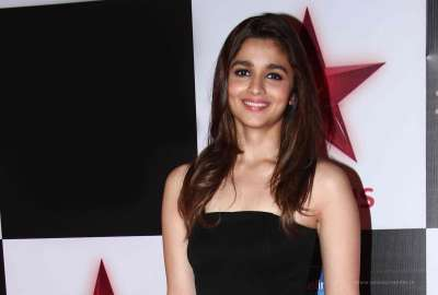 Alia Bhatt 10 wallpaper