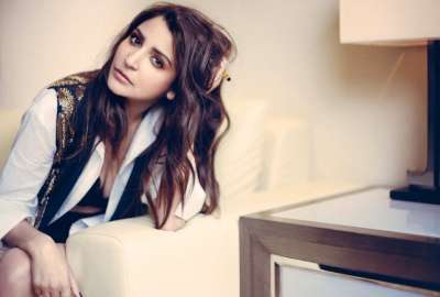 Anushka Sharma Hot Filmfare 2016 wallpaper