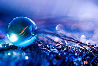 Blueish Water Bubble wallpaper