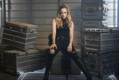 Caity Lotz Legends of Tomorrow wallpaper