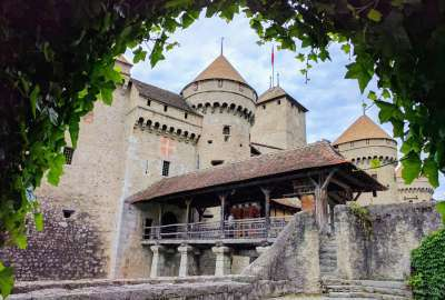 Chillon Castle Switzerland wallpaper