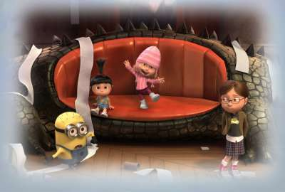 Despicable Me Toilet Paper Fight wallpaper