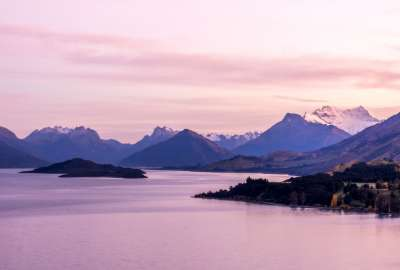 Early Morning Near Queenstown New Zealand wallpaper