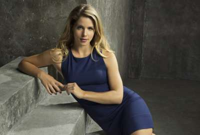 Emily Bett Rickards Felicity Smoak Arrow wallpaper