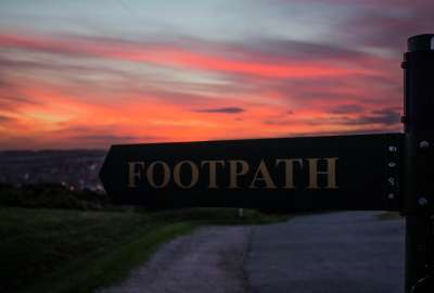 Footpath Home wallpaper