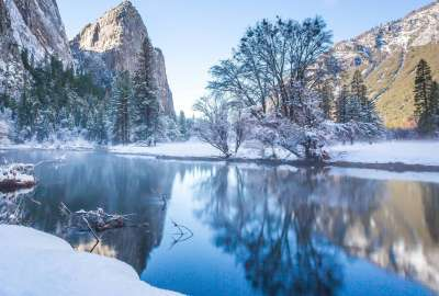 Fresh Snow Along the Merced River wallpaper