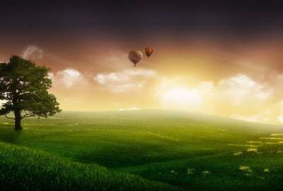 Green Field With Air Balloon wallpaper