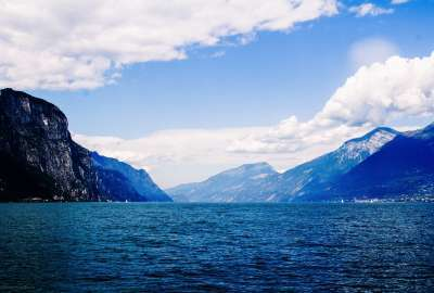 Lago Di Garda wallpaper