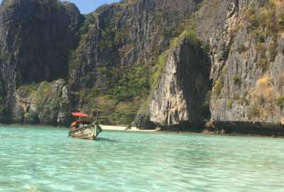 Maya Bay Ko Phi Phi Don Thailand wallpaper