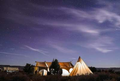 Night Camping Under the Stars wallpaper